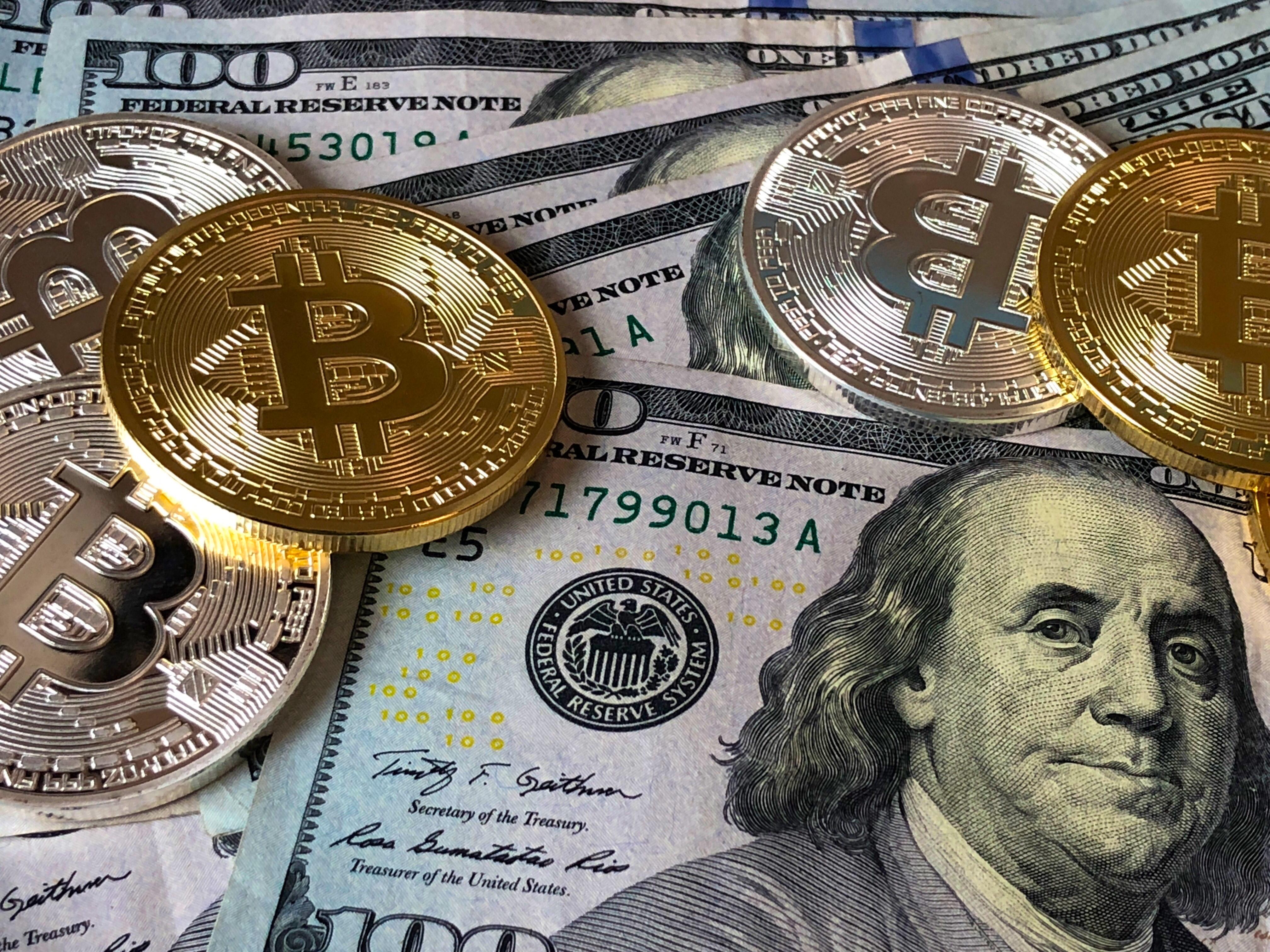 free images   100  bank  banknotes  bitcoin  blockchain
