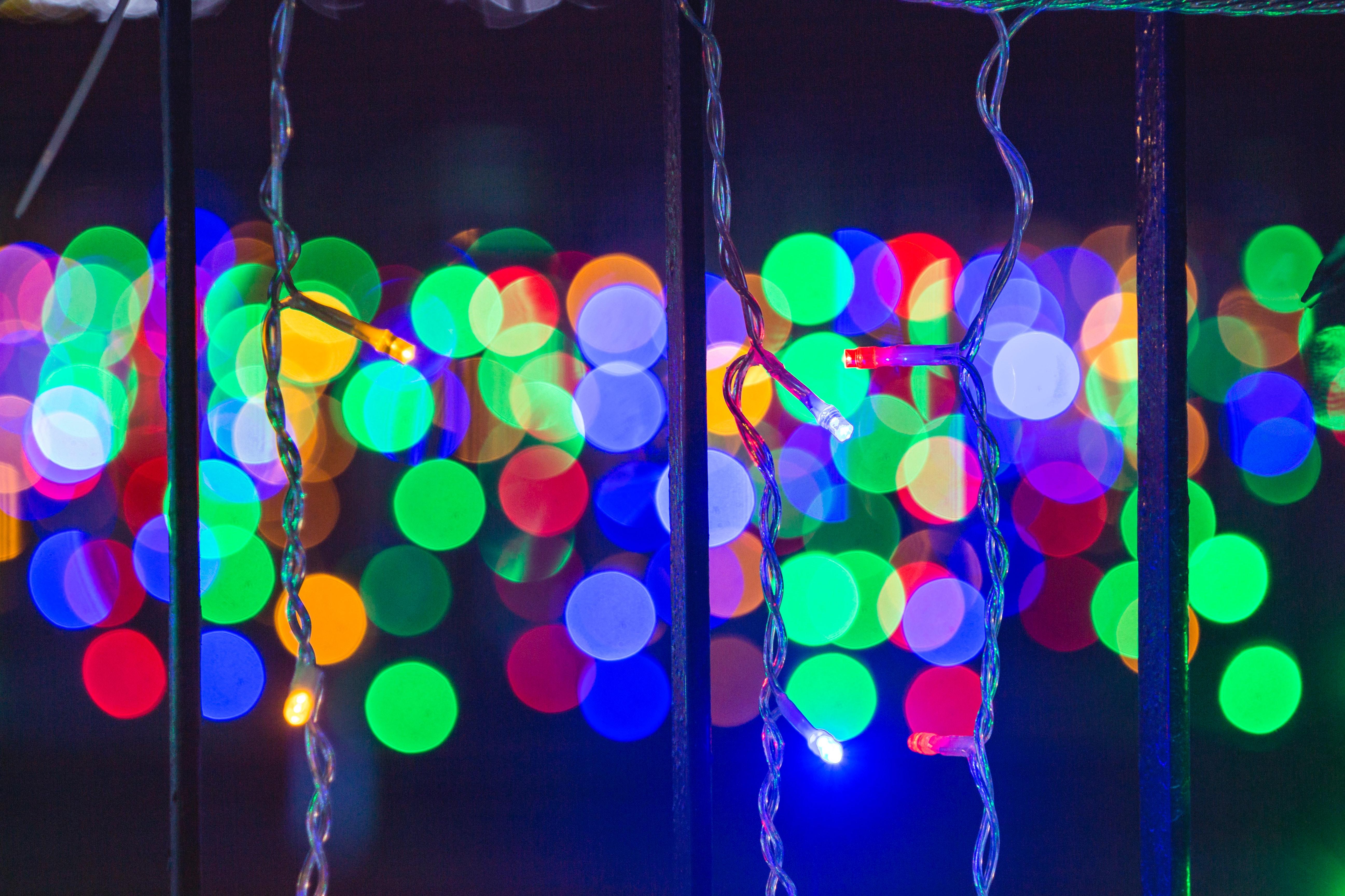Fotos gratis : 4k fondos de pantalla, difuminar, Bokeh, brillante, Bombillas, celebracion, luces de Navidad, vistoso, decoración, atención, colgando, Papel pintado hd, iluminado, luminiscencia 5186x3457