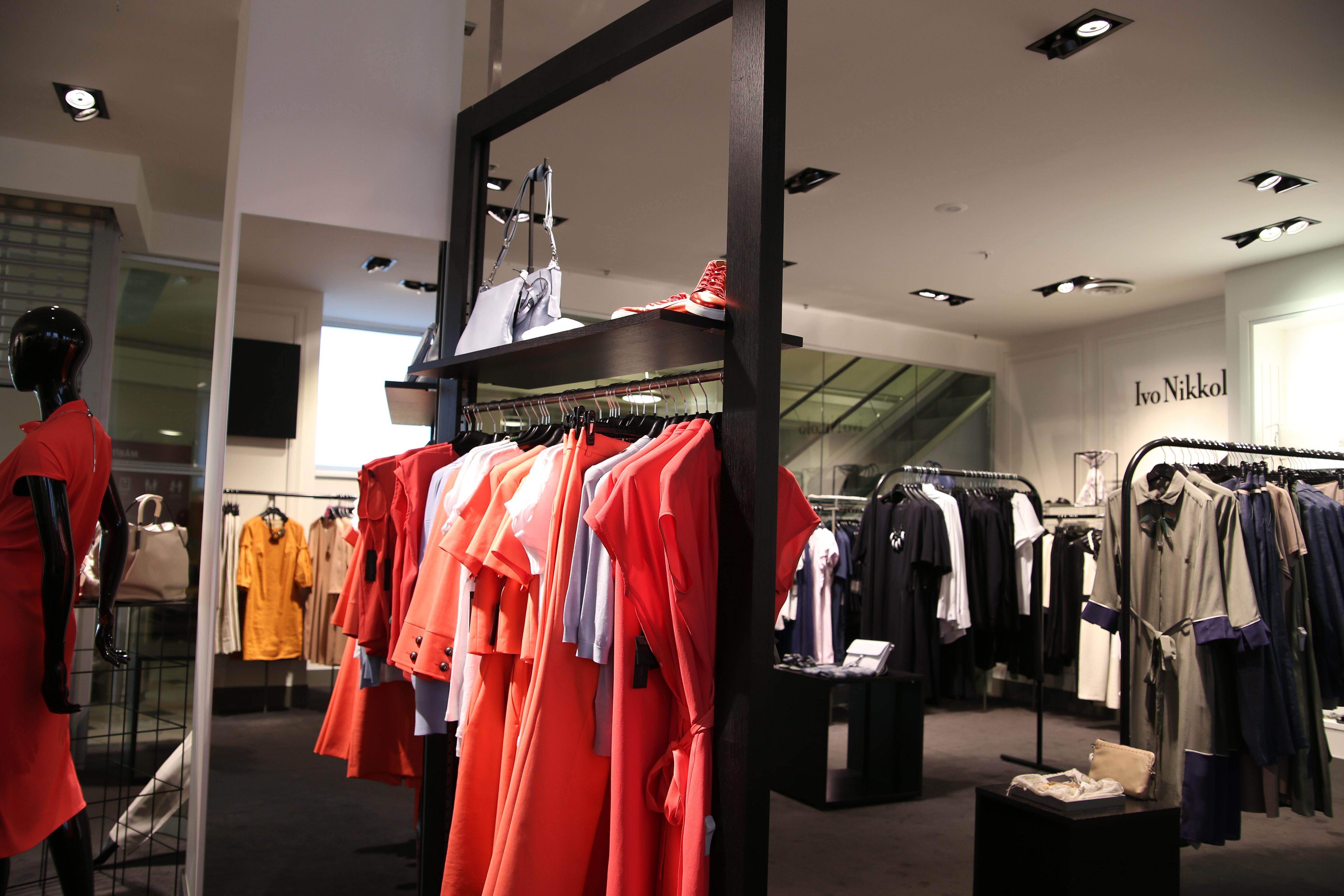 c7cf8d185 4k wallpaper boutique business clothes clothes hanger clothing dress fashion  hd wallpaper mall mannequin merchandise shop