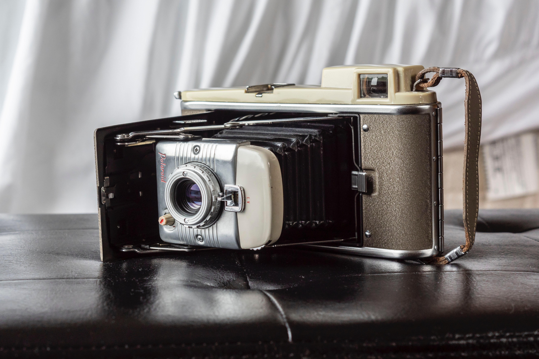 красивые фотоаппараты с ретро стилем таких пояснений одевать