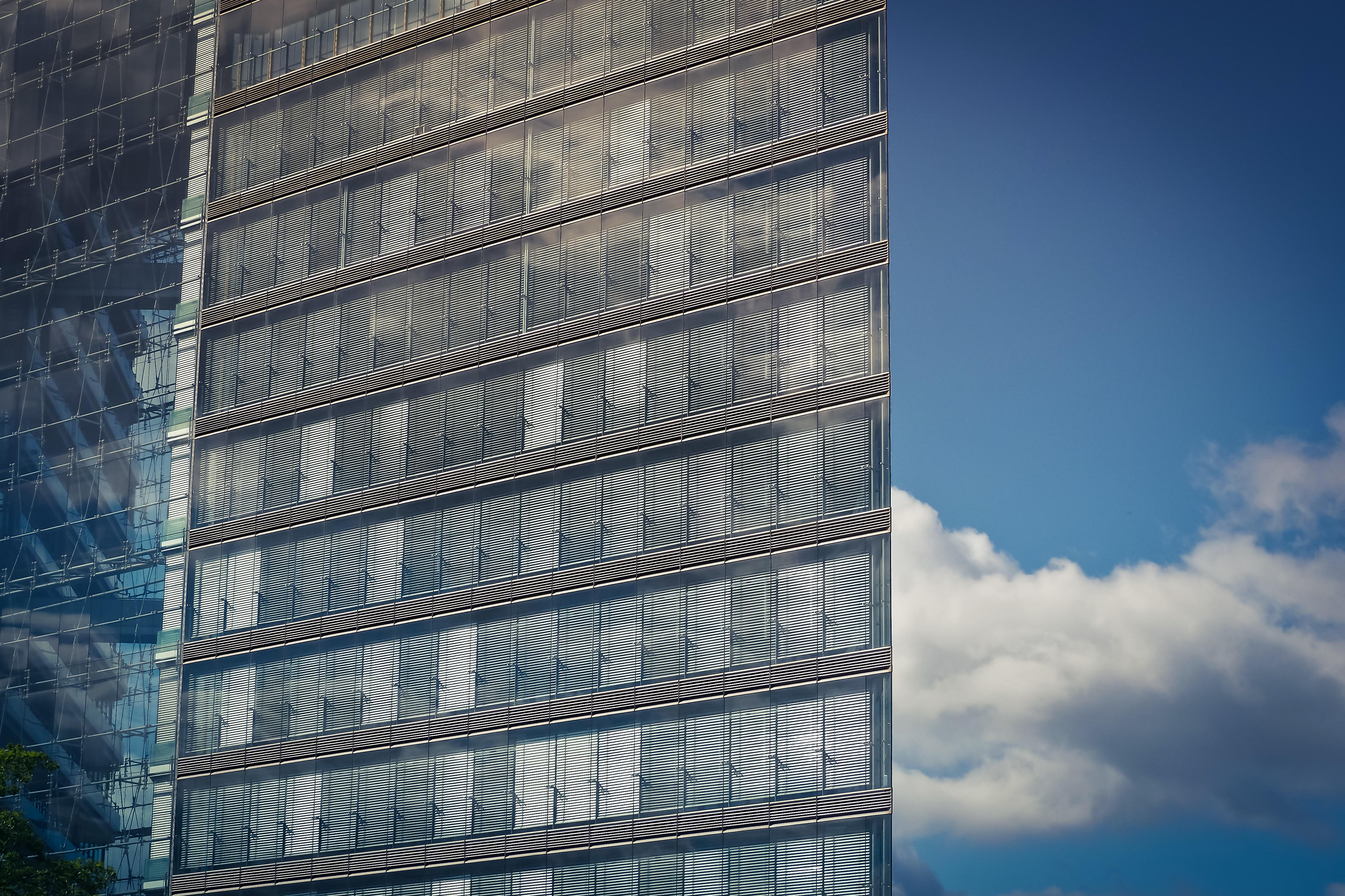 Moderne fenster fassade  Kostenlose foto : abstrakt, die Architektur, Himmel, Fenster, Glas ...