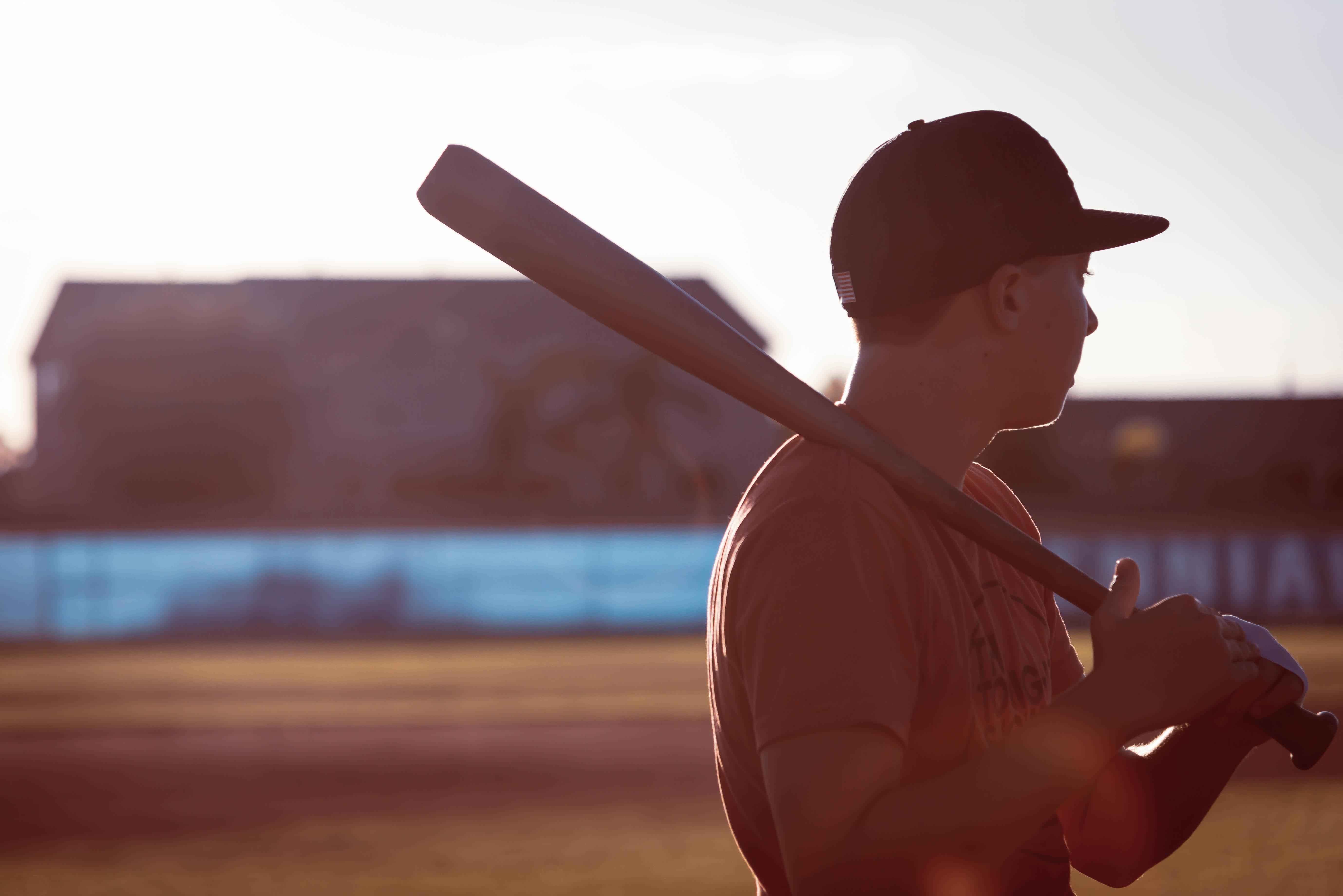 Darmowe Zdjecia Czynnosc Sportowiec Baseball Kij Baseball Owy