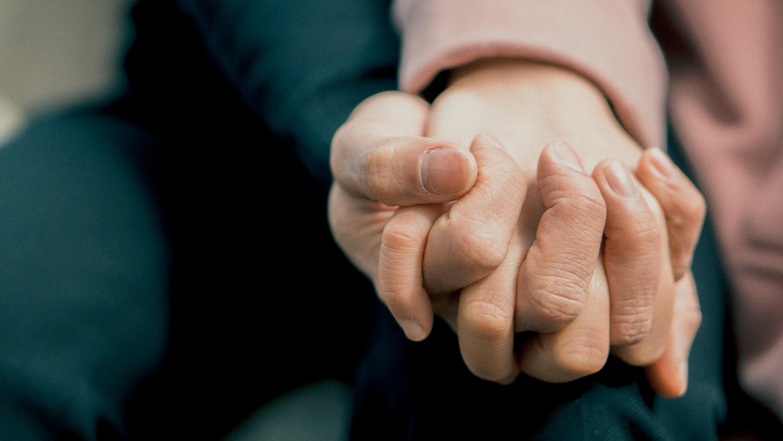 hình ảnh : Đáng yêu, Tình cảm, Đóng lên, Ngón tay, Tay, nắm tay, da, ủng hộ, chạm 6000x3376