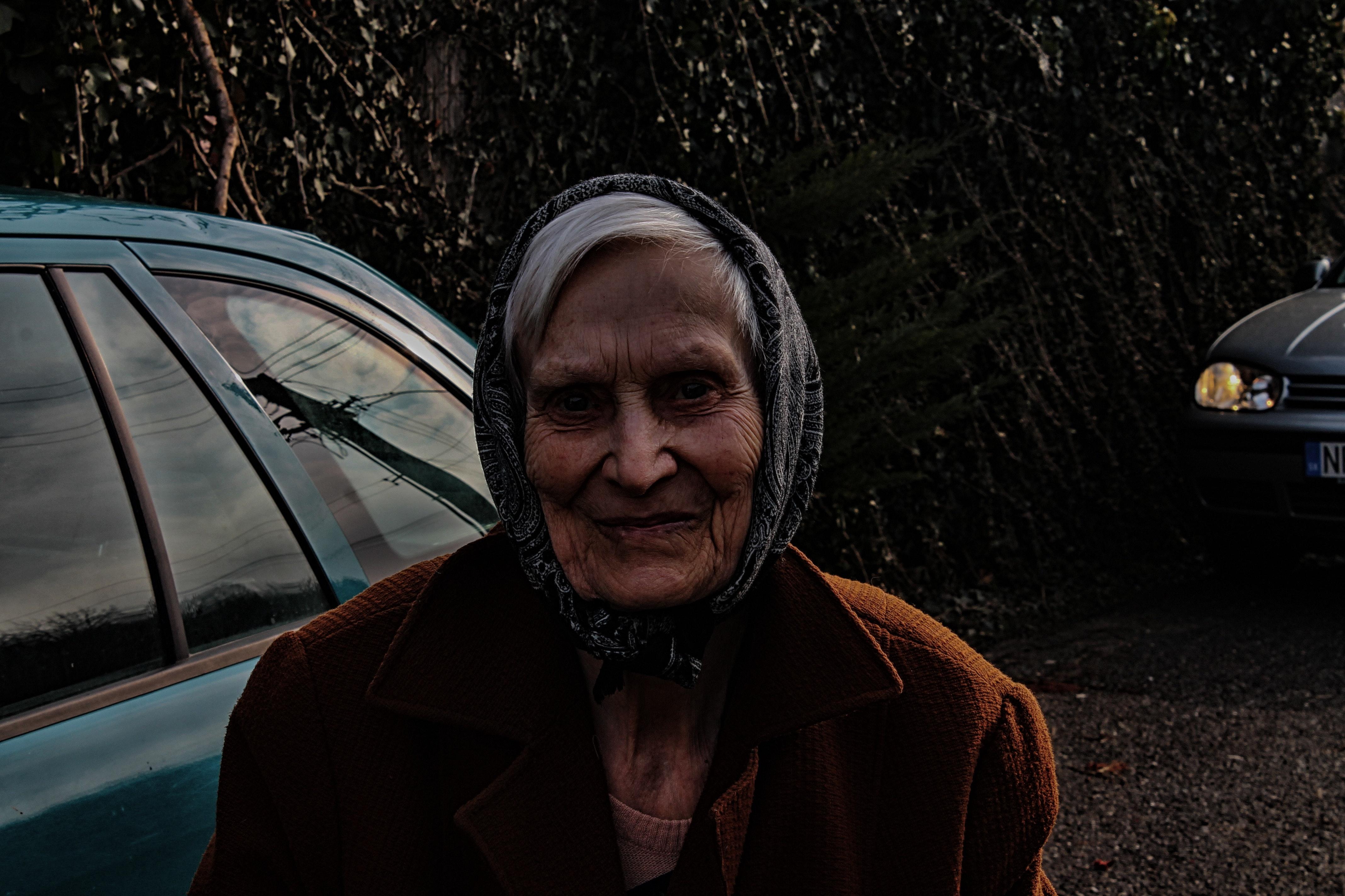 83 Gambar Nenek Hujan Paling Bagus