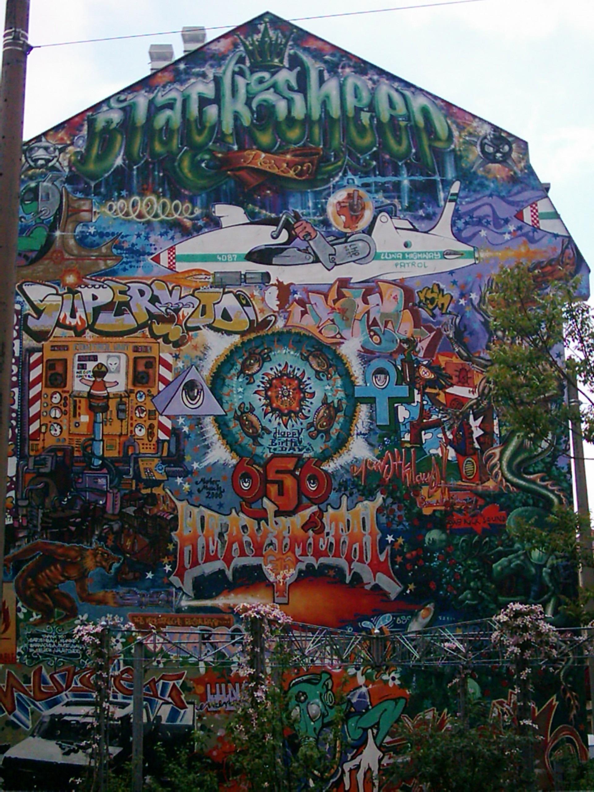 Wunderschön Hausfassade Farbe Galerie Von Freizeitpark Park Residenz Bunt Graffiti Kunst Wandgemälde