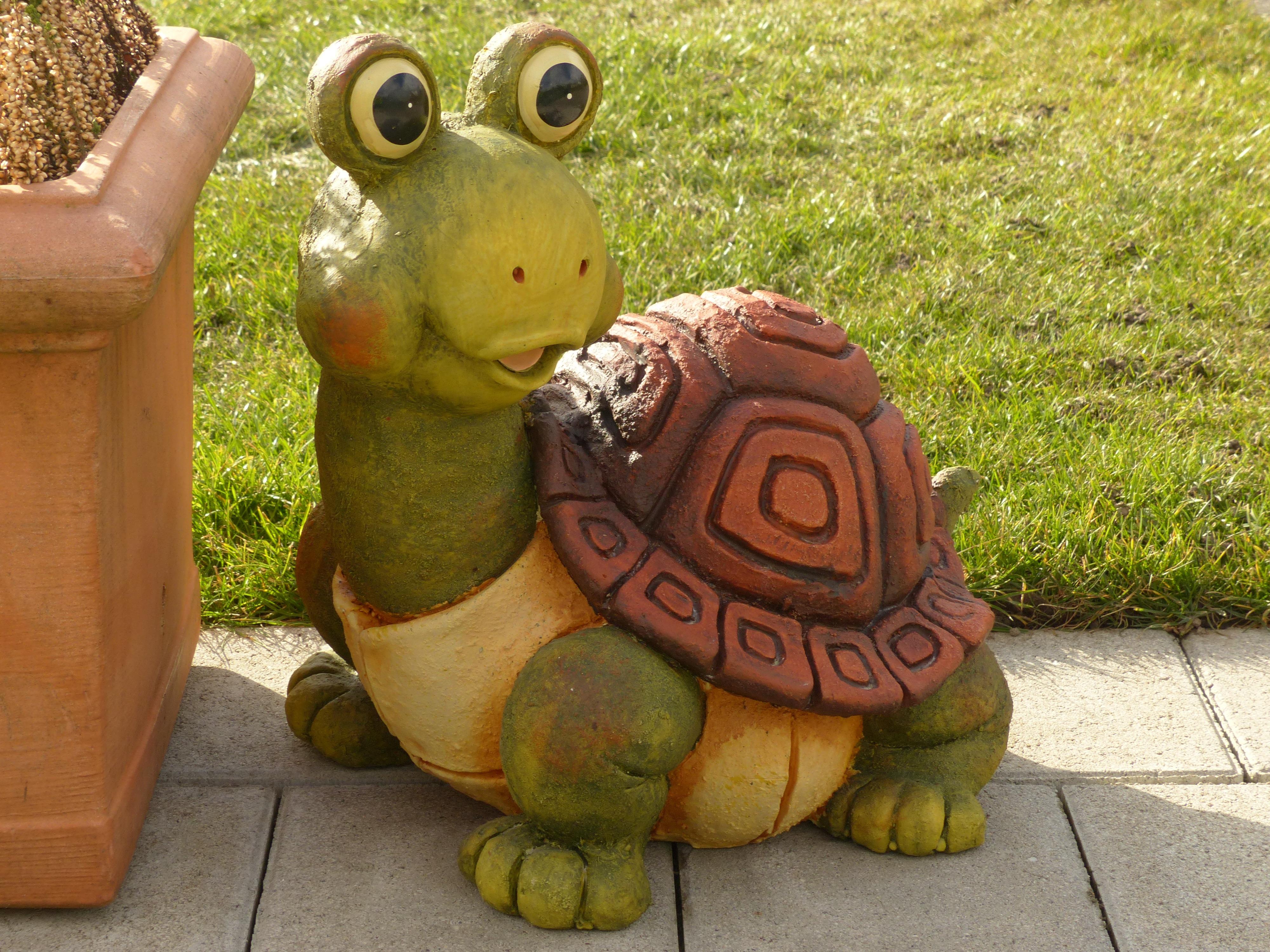 Images Gratuites : animal, décoration, vert, céramique, amphibie ...