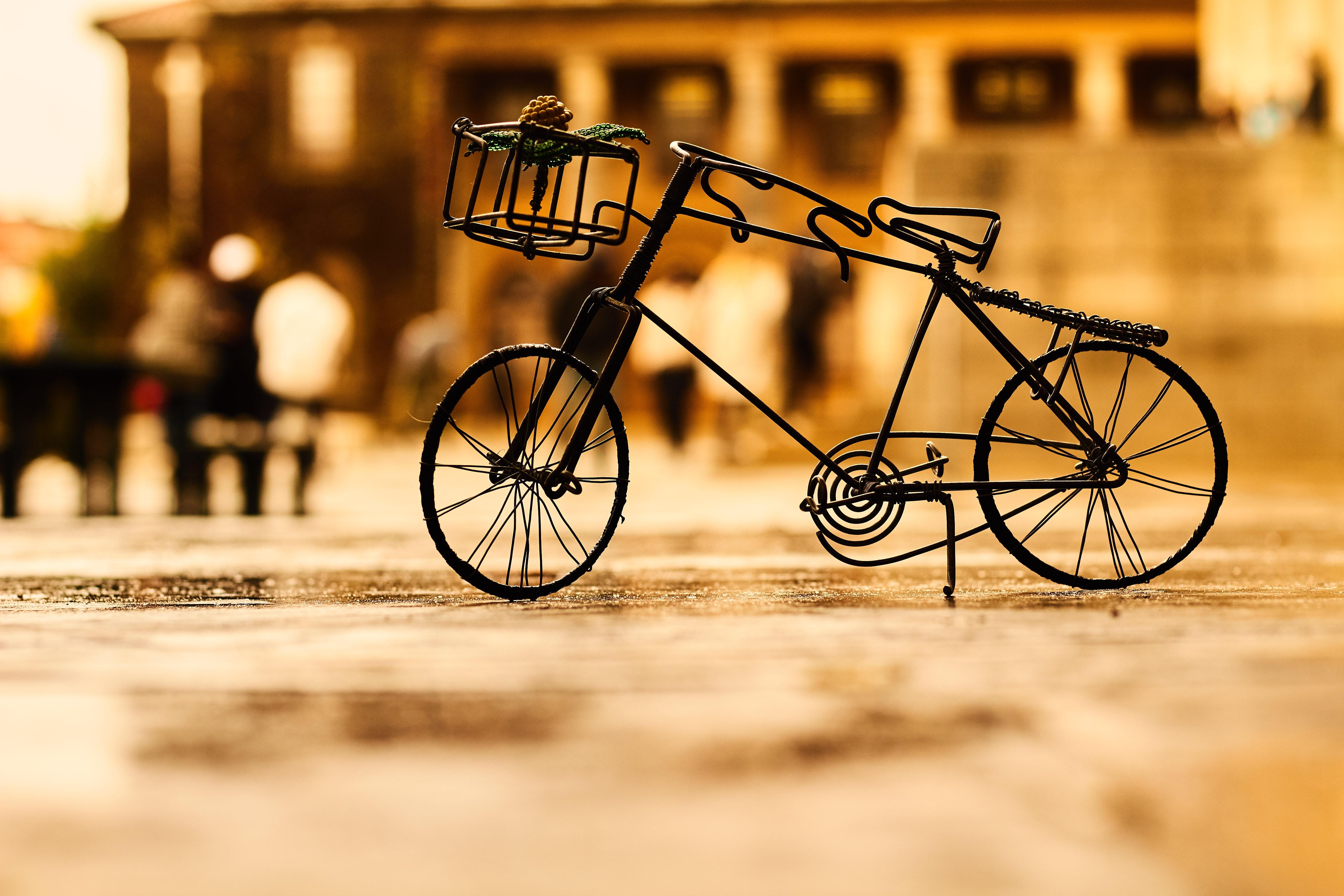 hình ảnh : Đồ cổ, nghệ thuật, Xe đạp, xe đạp, lờ mờ, Đóng lên, sáng tạo, Độ sâu trường, tiêu điểm, đất, Thu nhỏ, Ngoài trời, Màu nâu đỏ, du lịch, ...