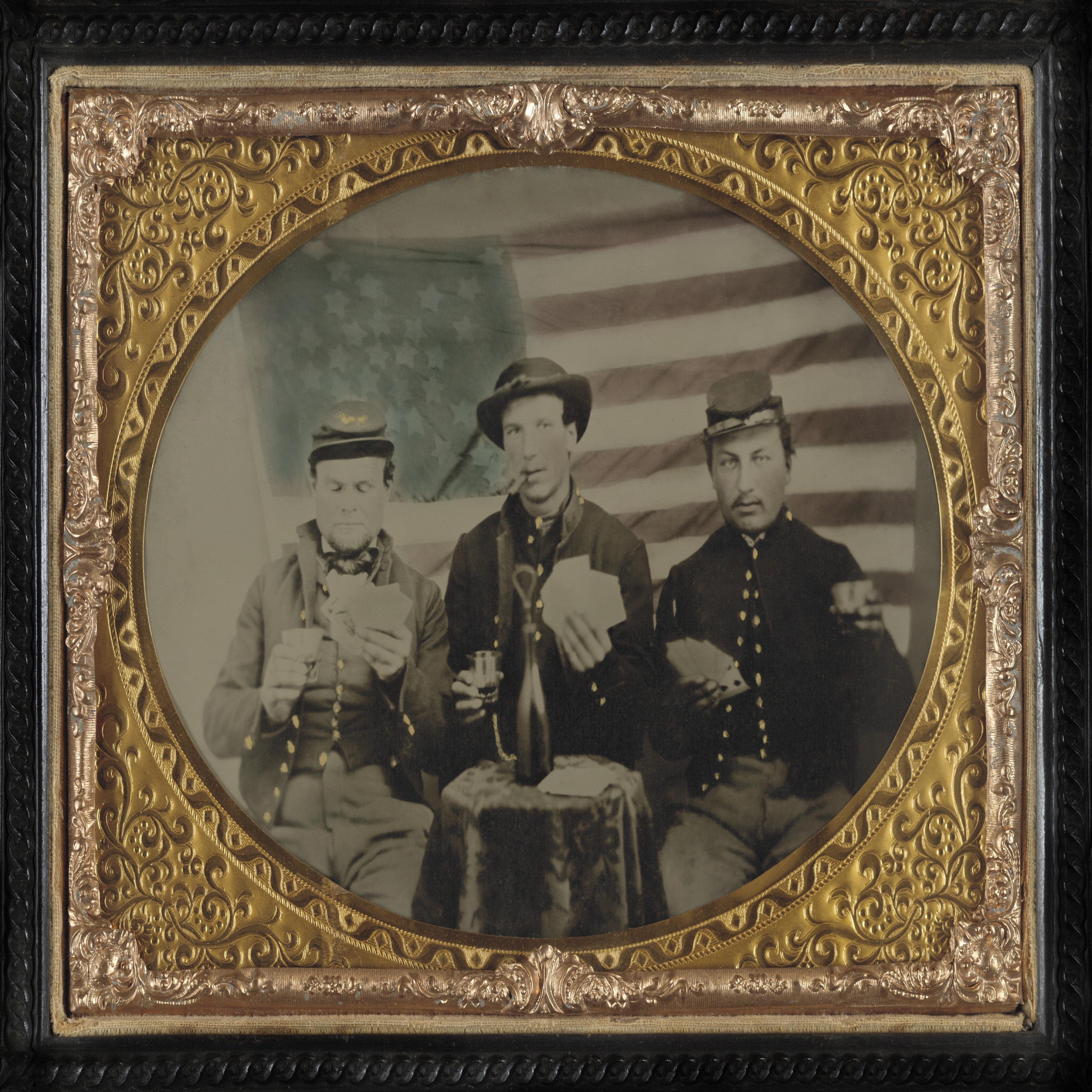 Fotograf Sigara Icmek Askeri Bayrak Amerika Birlesik