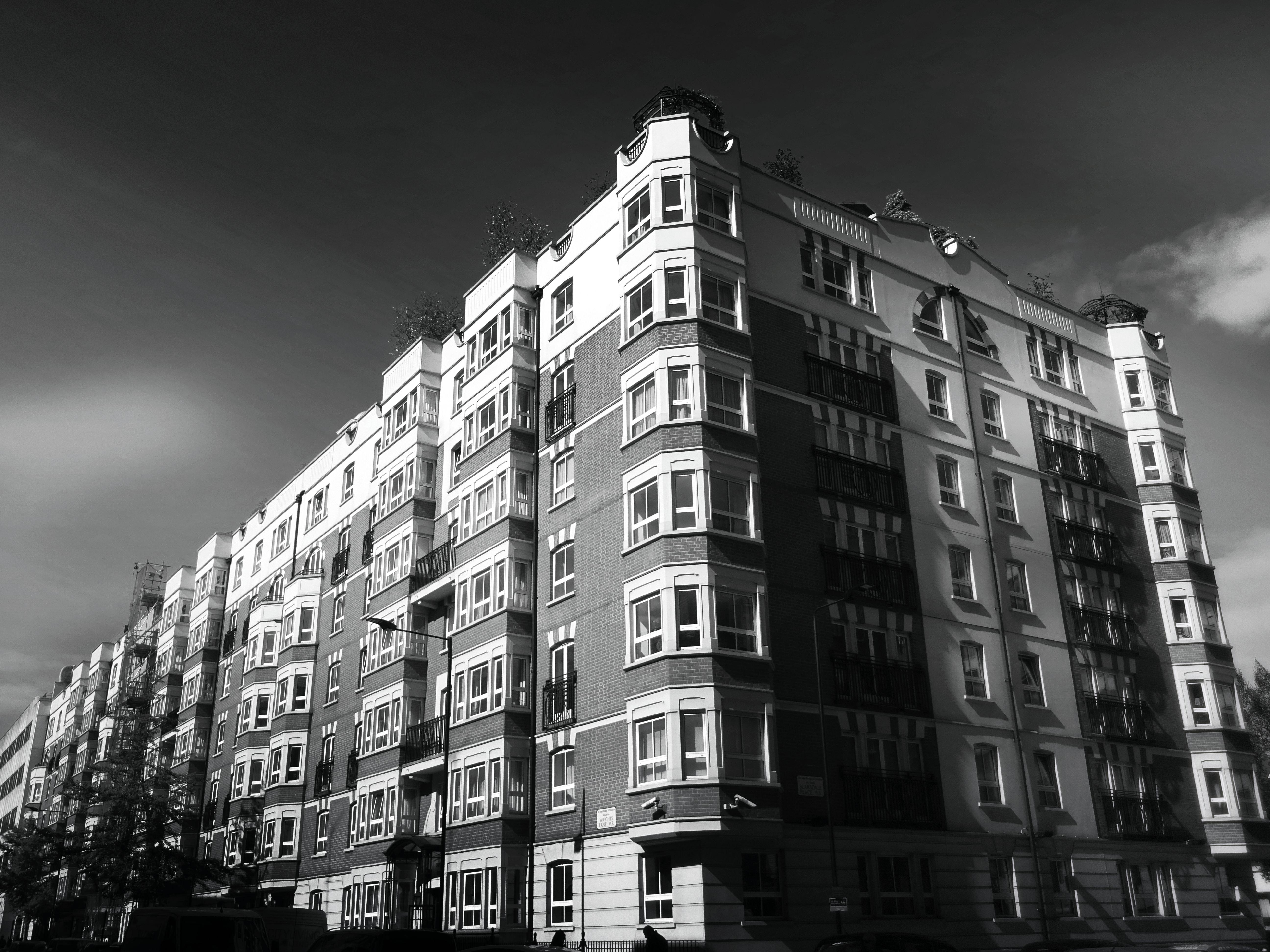 Zwart Wit Appartement : Gratis afbeeldingen : appartement zwart en wit gebouw wolken