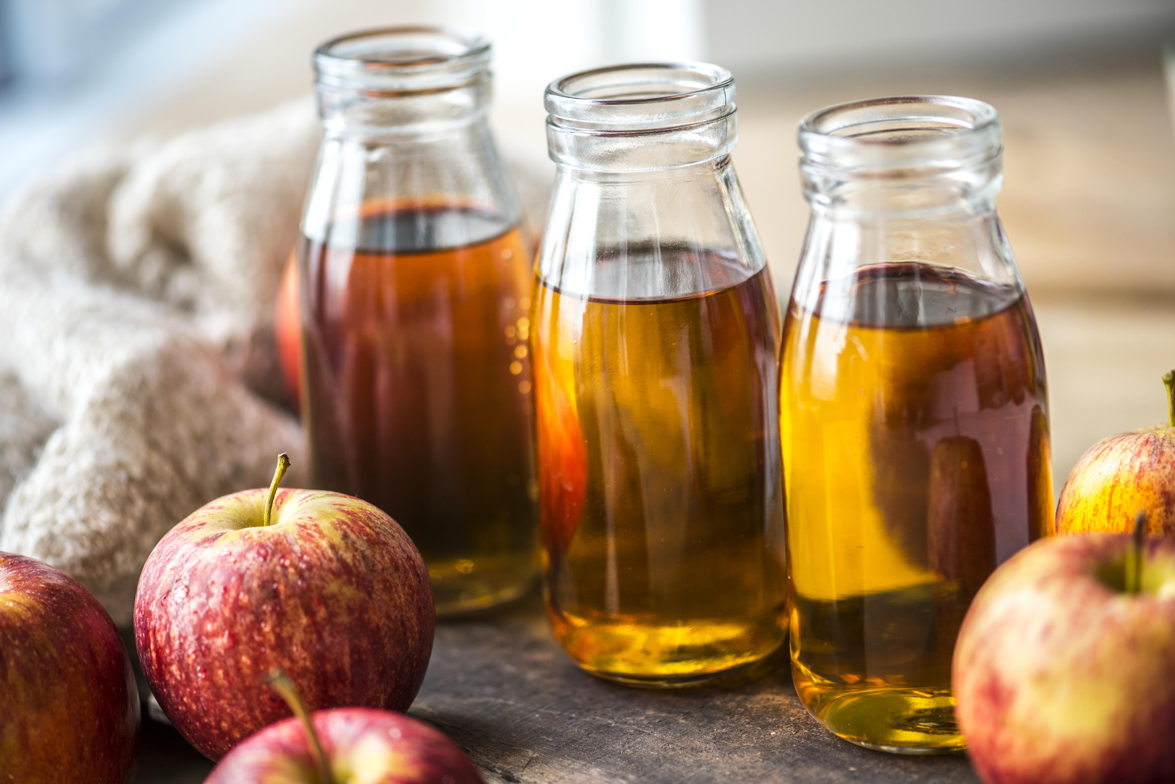 Immagini Belle : Mela, succo di mela, bevanda, Cedro, avvicinamento ...