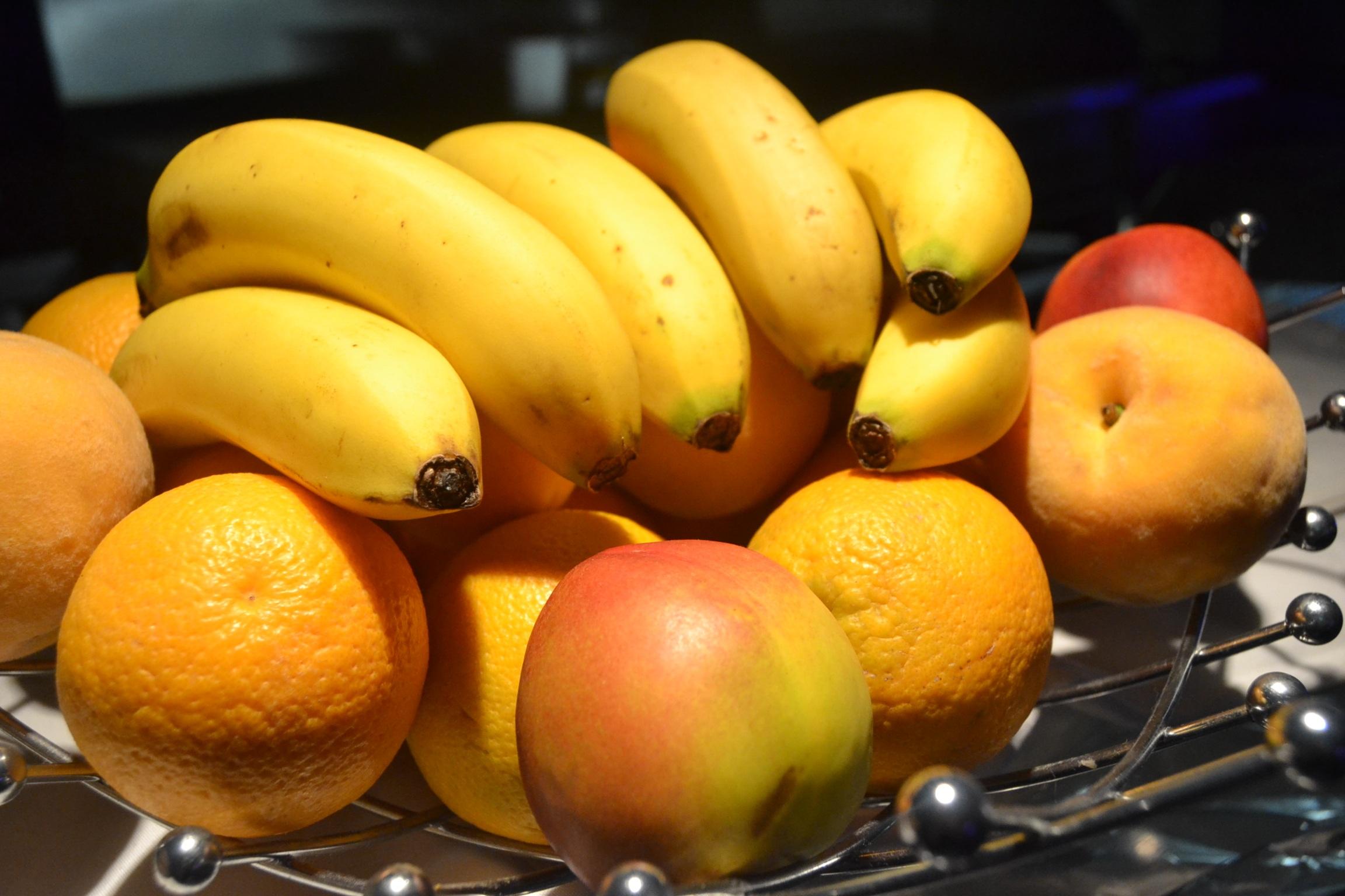 картинка яблоко банан апельсин созданием усовершенствованных