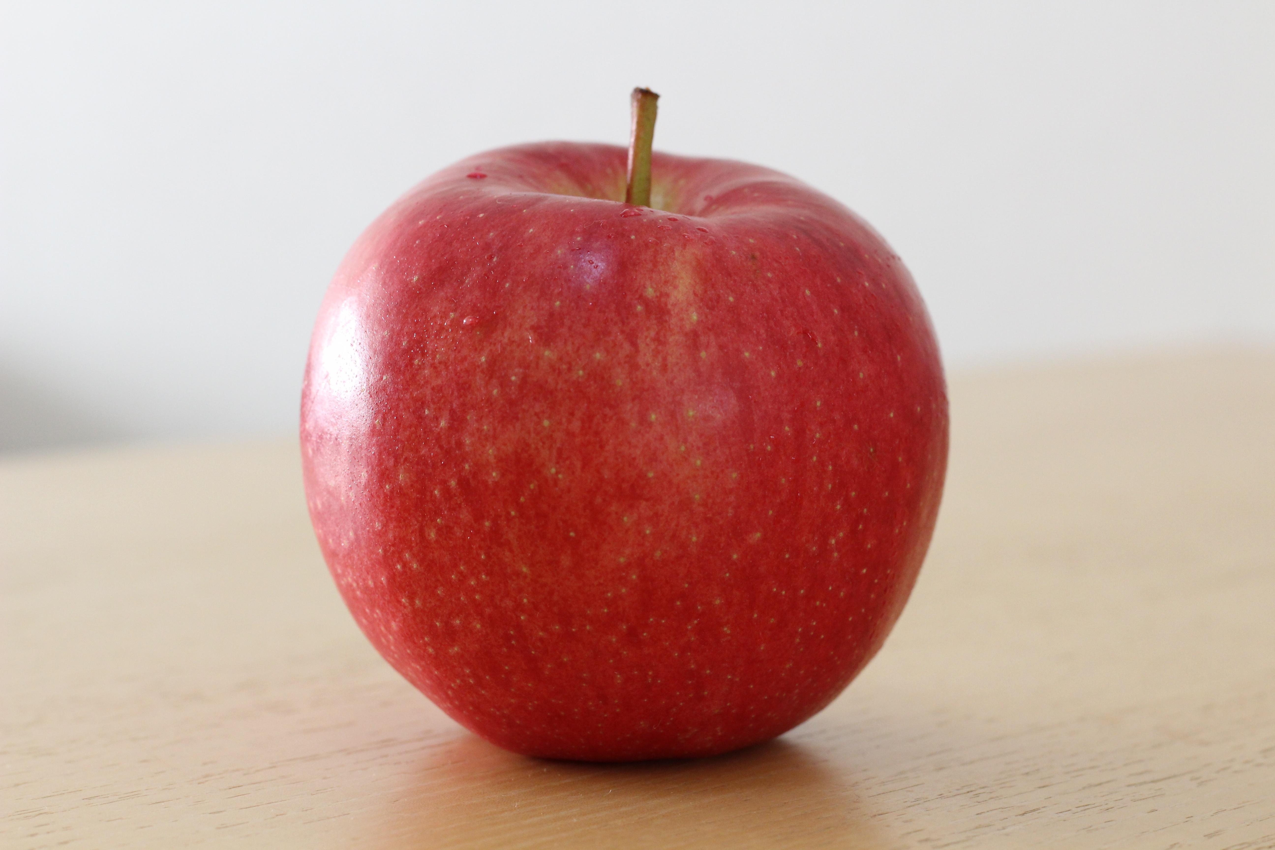 картинки про яблоки кабин