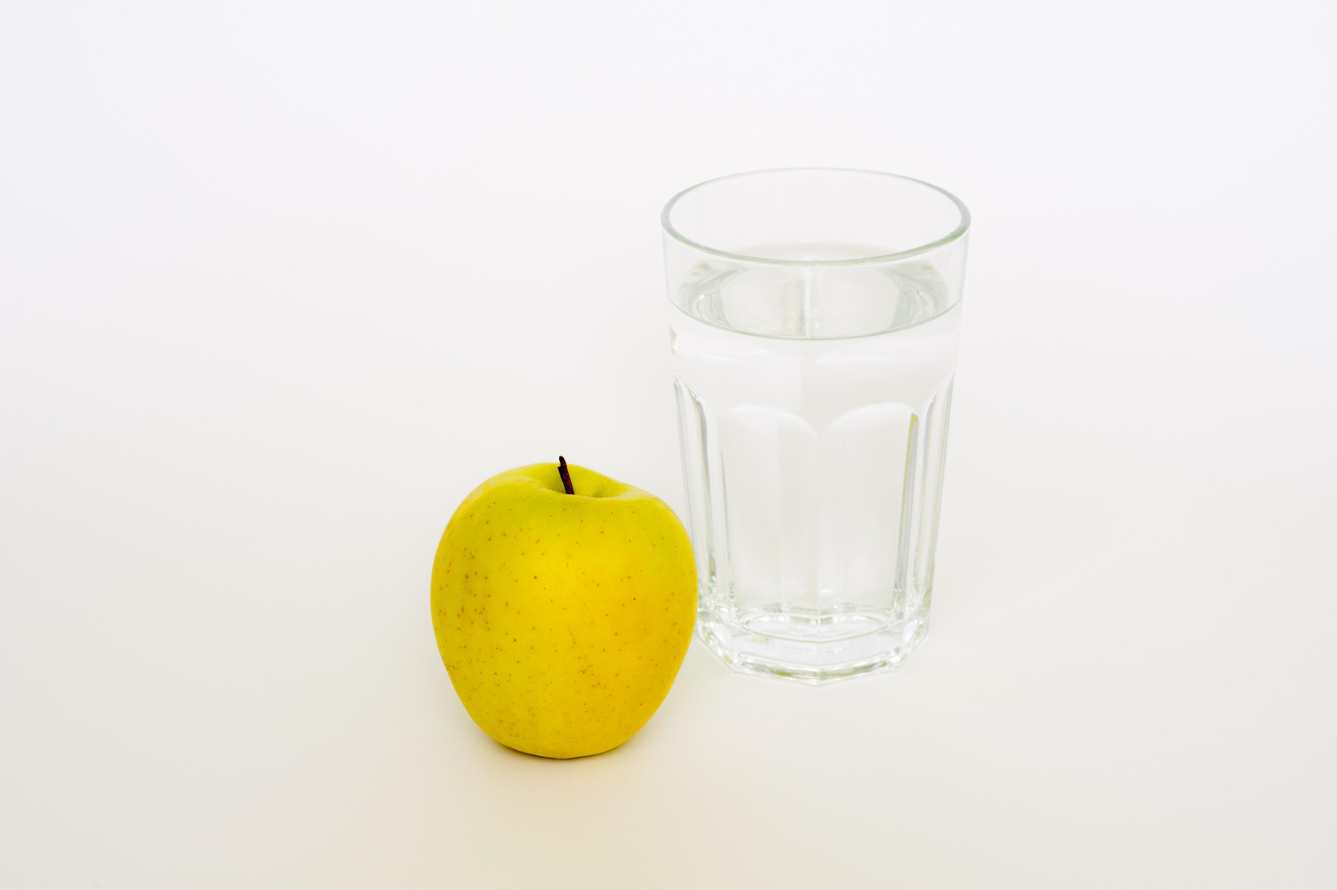 Kostenlose foto : Apfel, Wasser, Weiß, Frucht, Glas, Lebensmittel ...