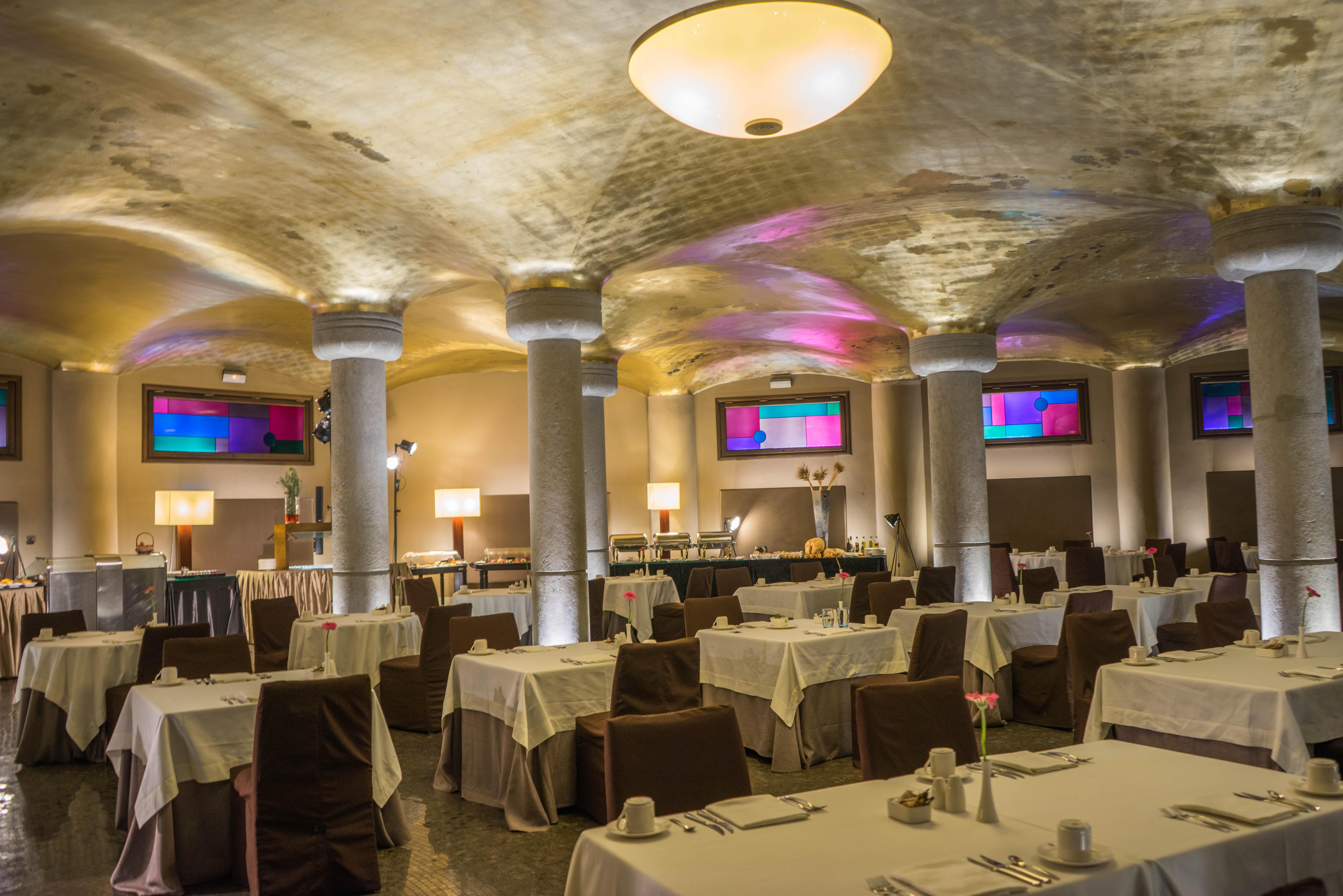 Fotos gratis : arquitectura, restaurante, viajar, Europa, comida ...