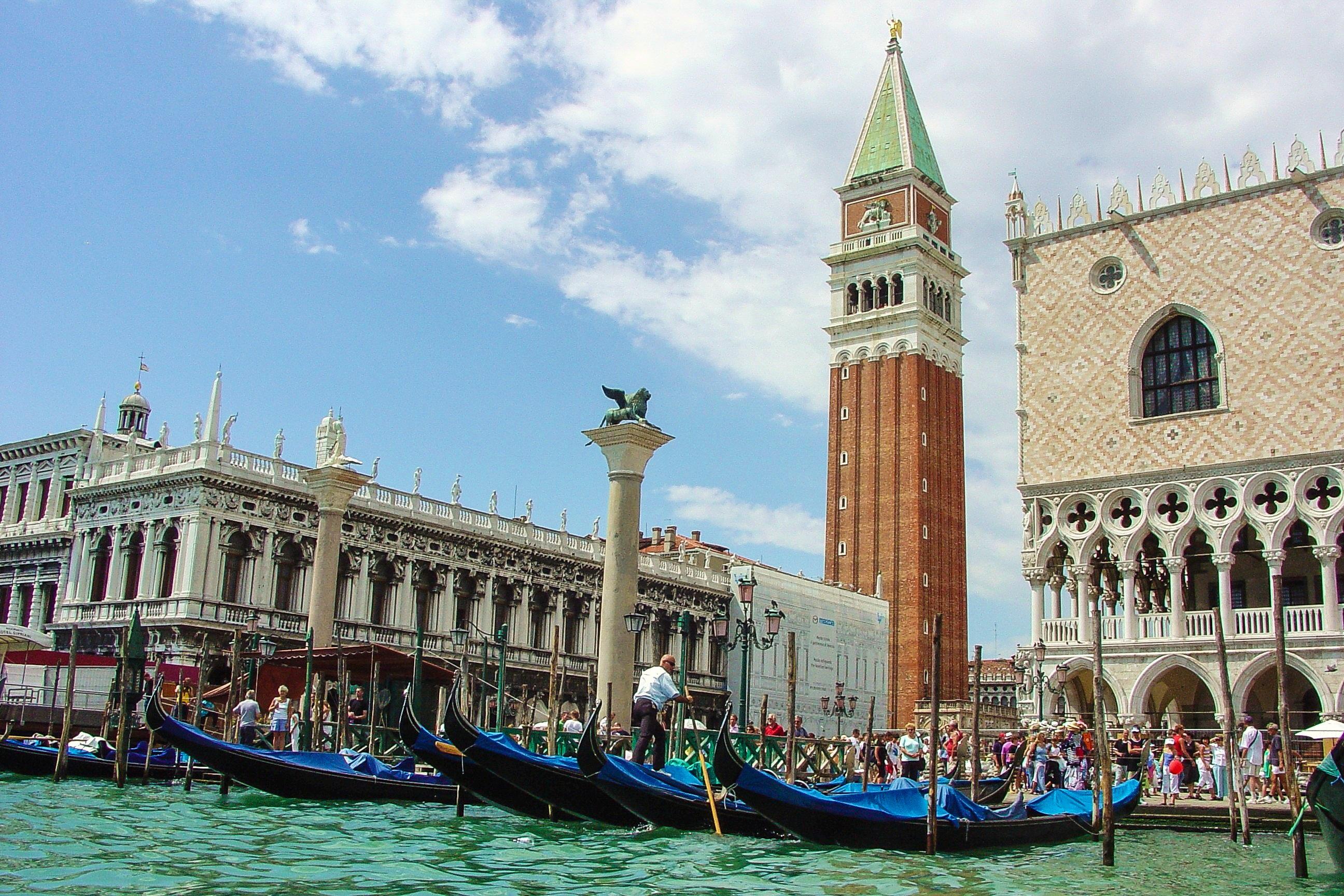 Fotos gratis : arquitectura, ciudad, Europa, vehículo, punto de ...