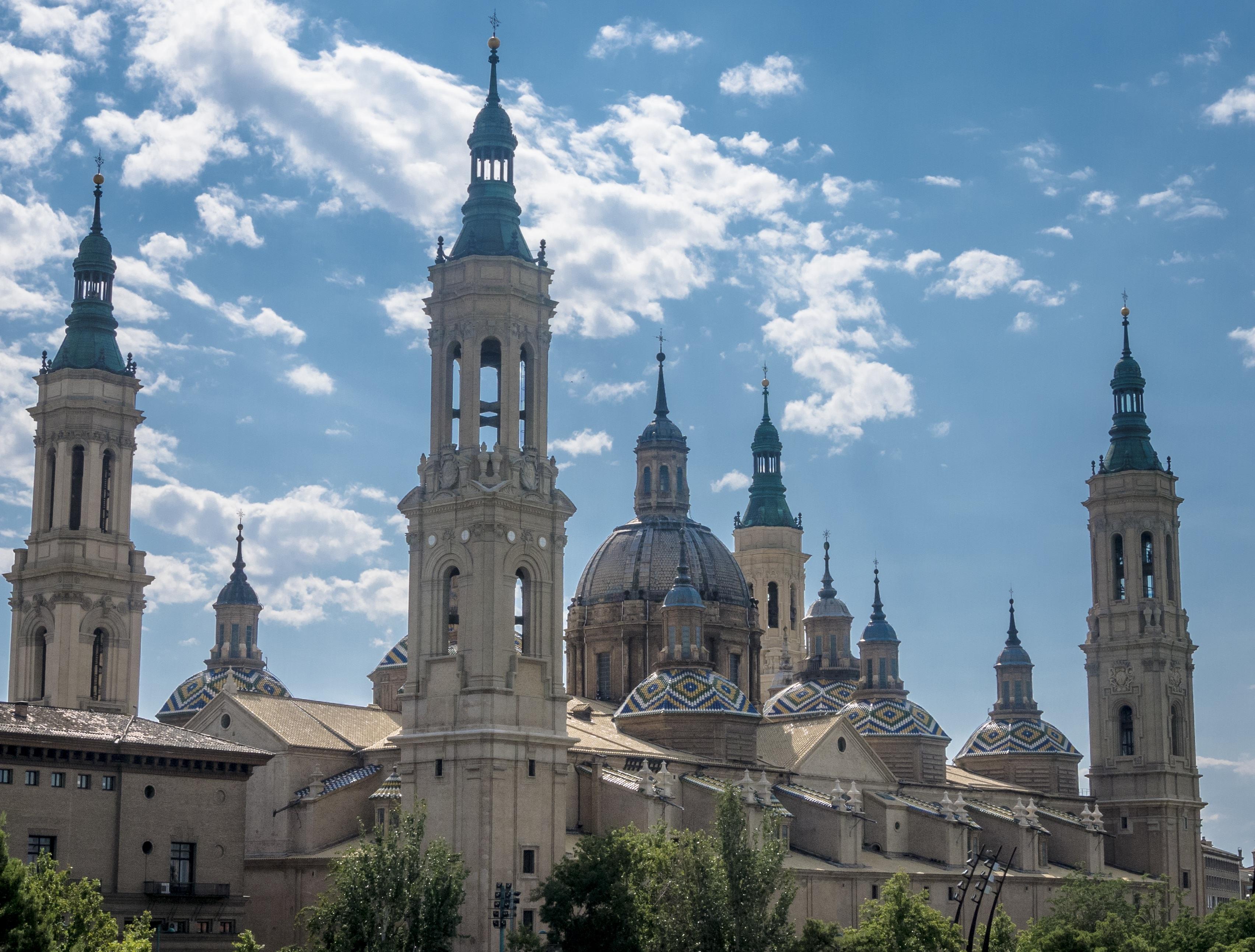 popular Español lechón cerca de Zaragoza