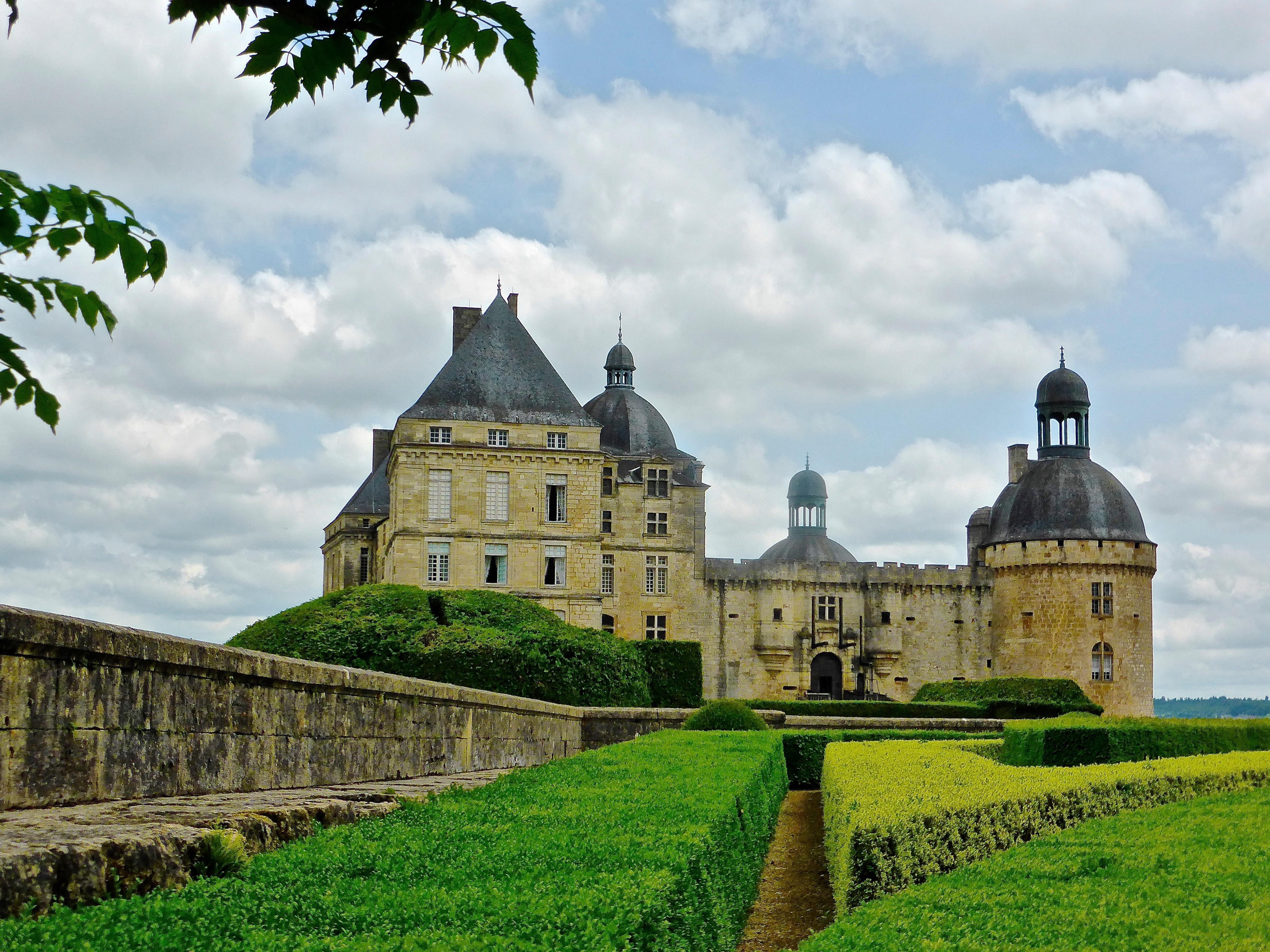 Architecture Building Chateau France Castle Landmark Historic Garden  Medieval Monastery History Heritage Estate Dordogne Moat Rural