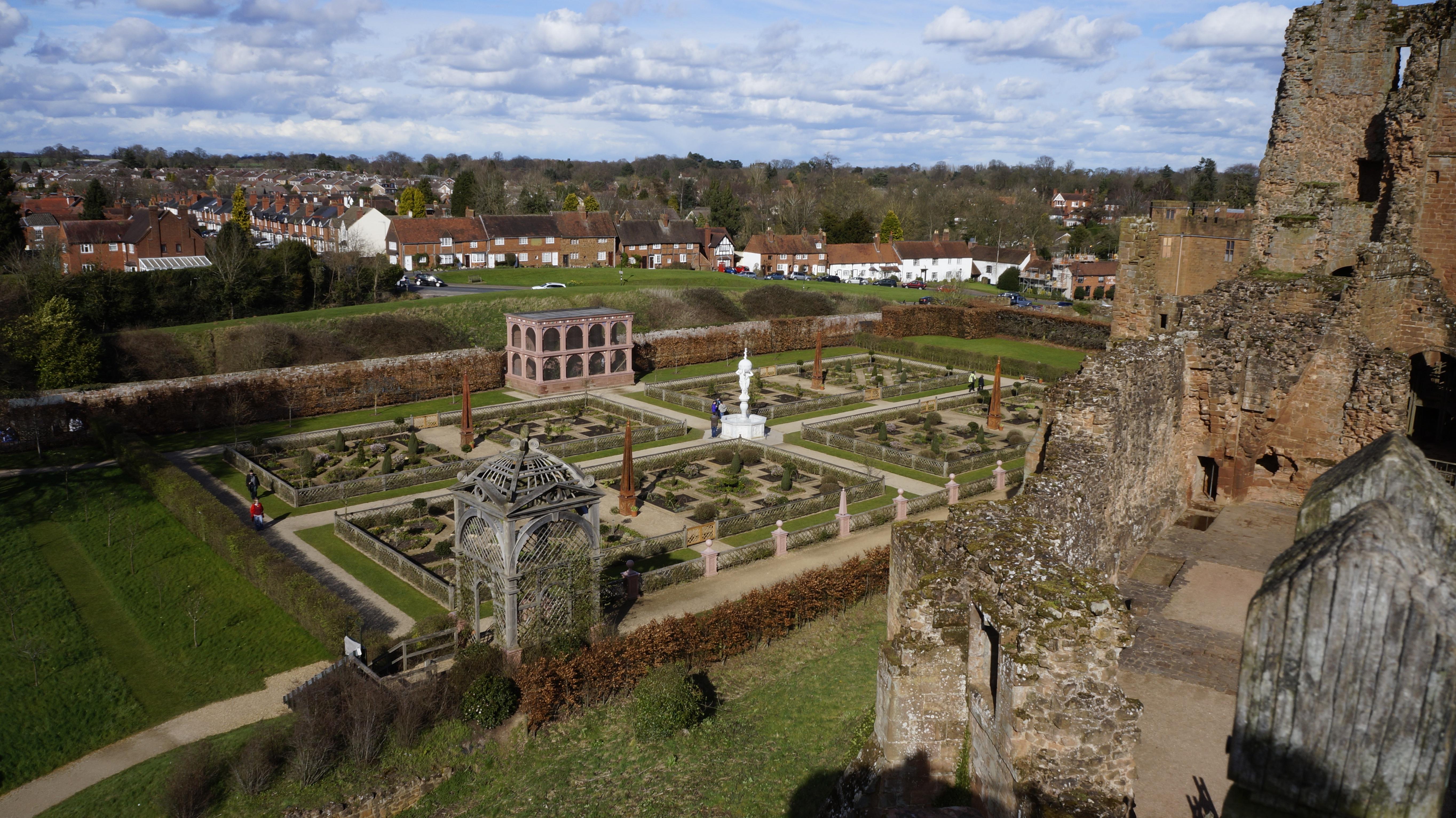 Free Images : architecture, building, chateau, monument, castle ...
