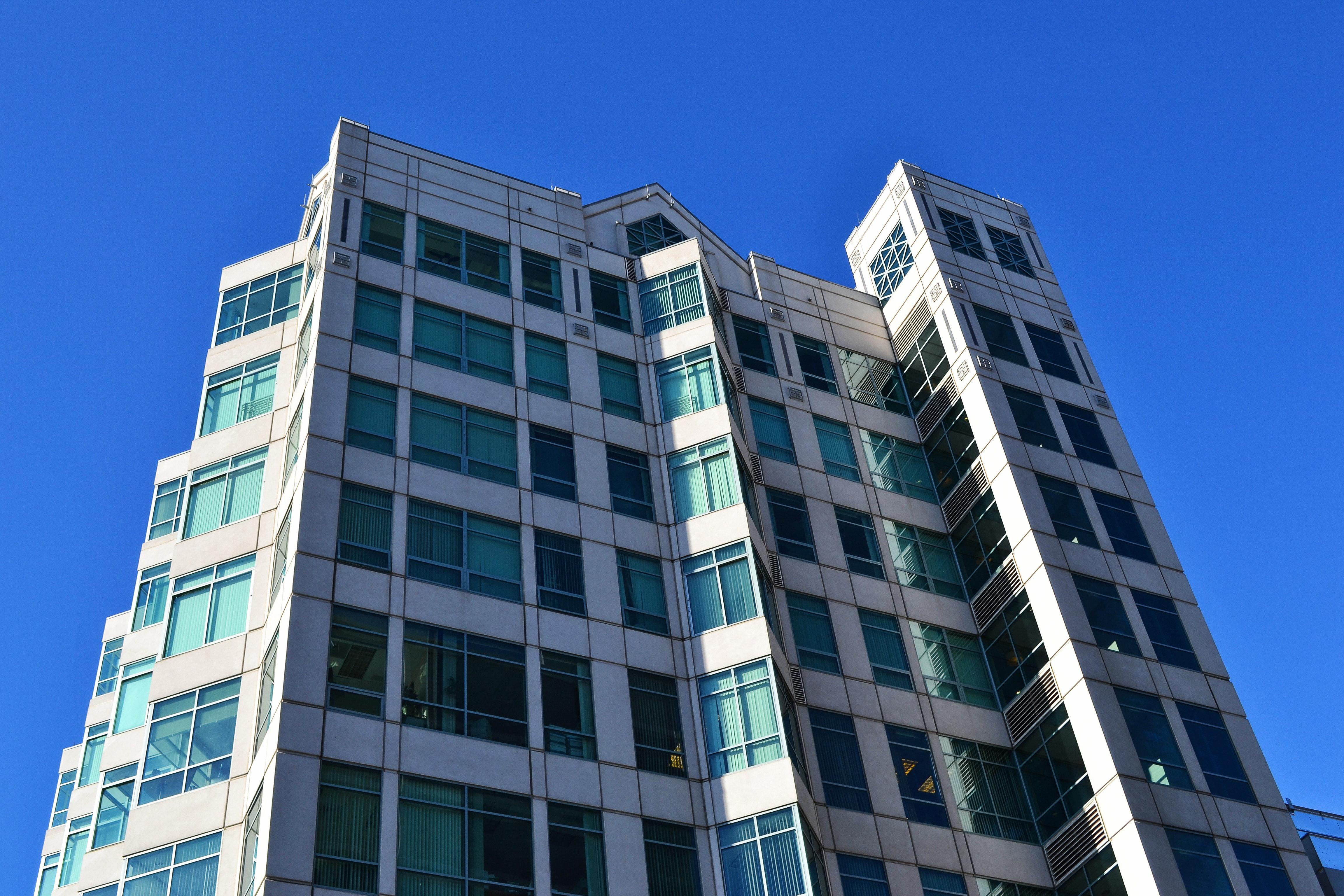 Gambar Arsitektur Bangunan Langit Cerah Kontemporer Siang Hari Futuristik Item Kaca Modern Kantor Di Luar Rumah Perkotaan Jendela 4608x3072 1501351 Galeri Foto Pxhere