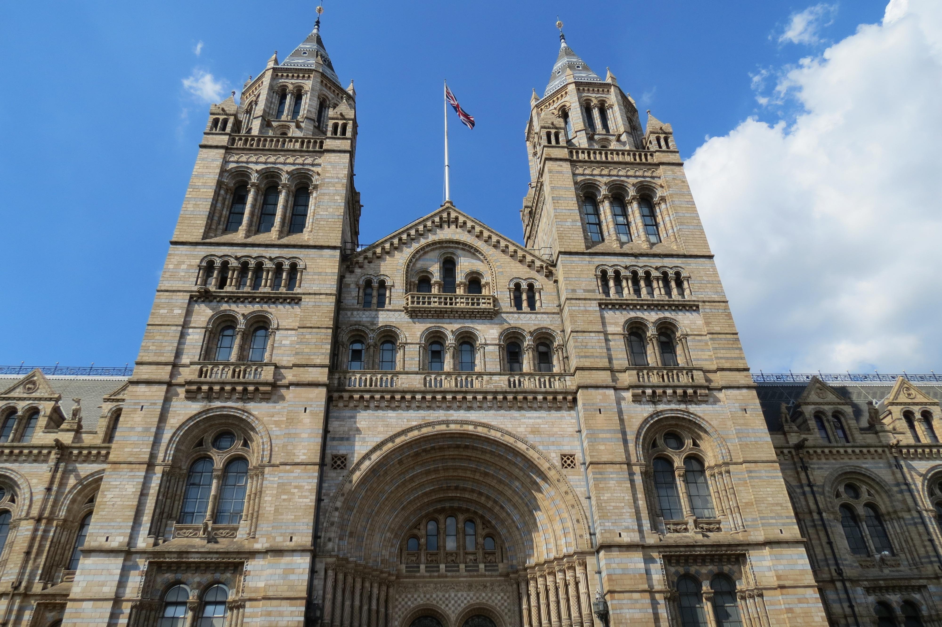 Fotos gratis : edificio, punto de referencia, fachada, Iglesia ...