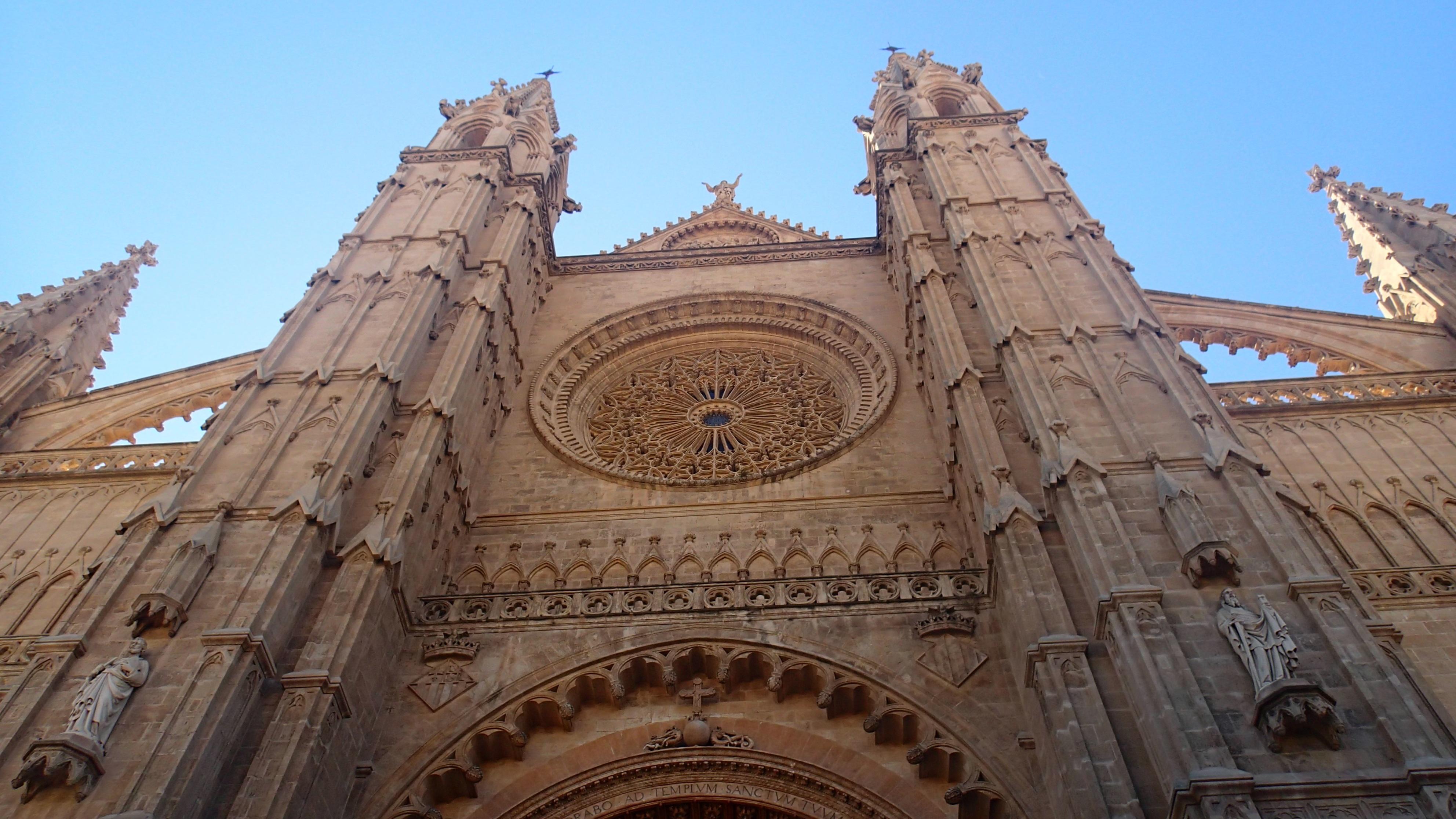 Fotos gratis edificio antiguo fachada iglesia g tico for Arquitectura de espana