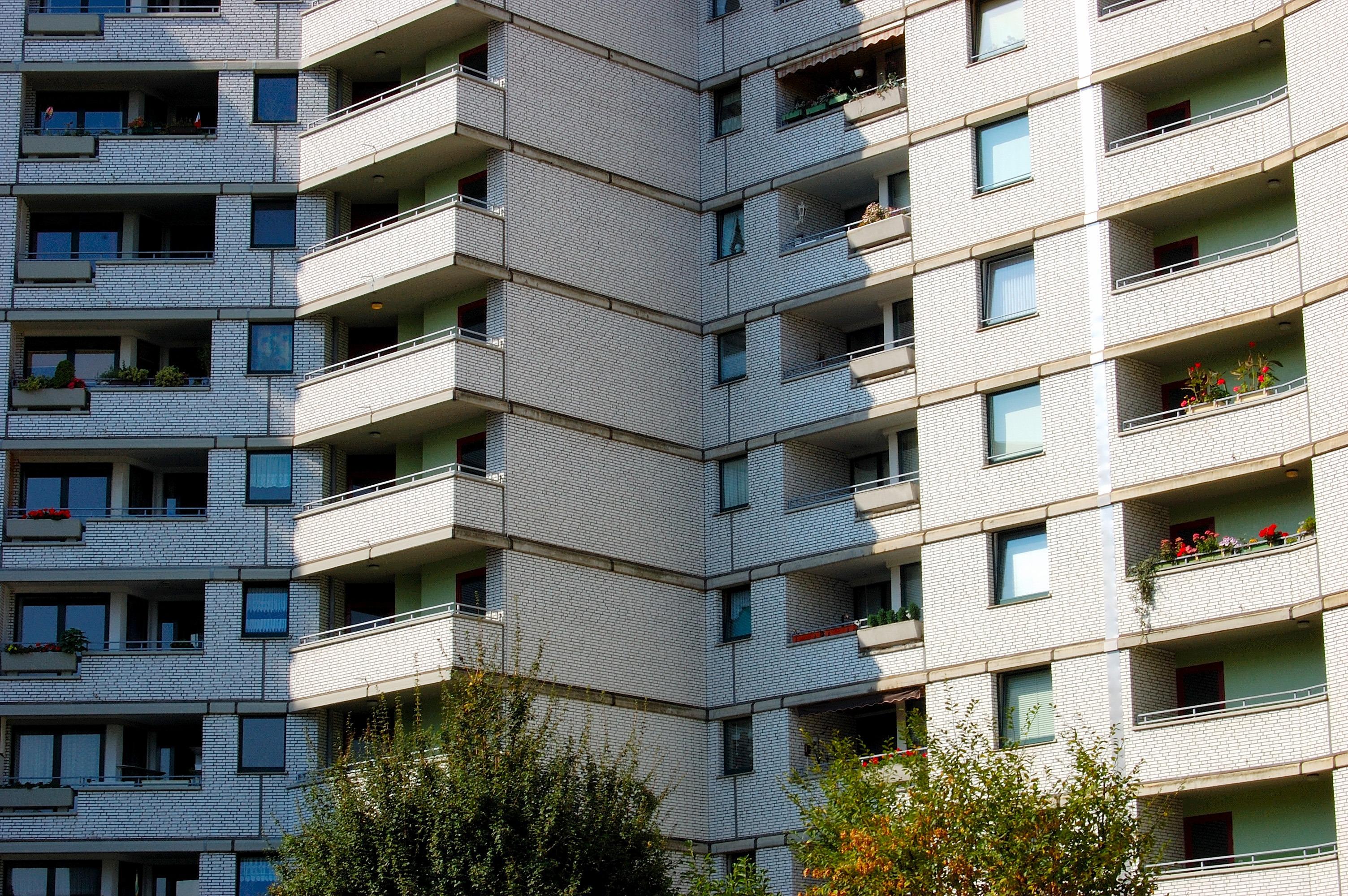Images gratuites architecture b timent gratte ciel for Balcon facade maison