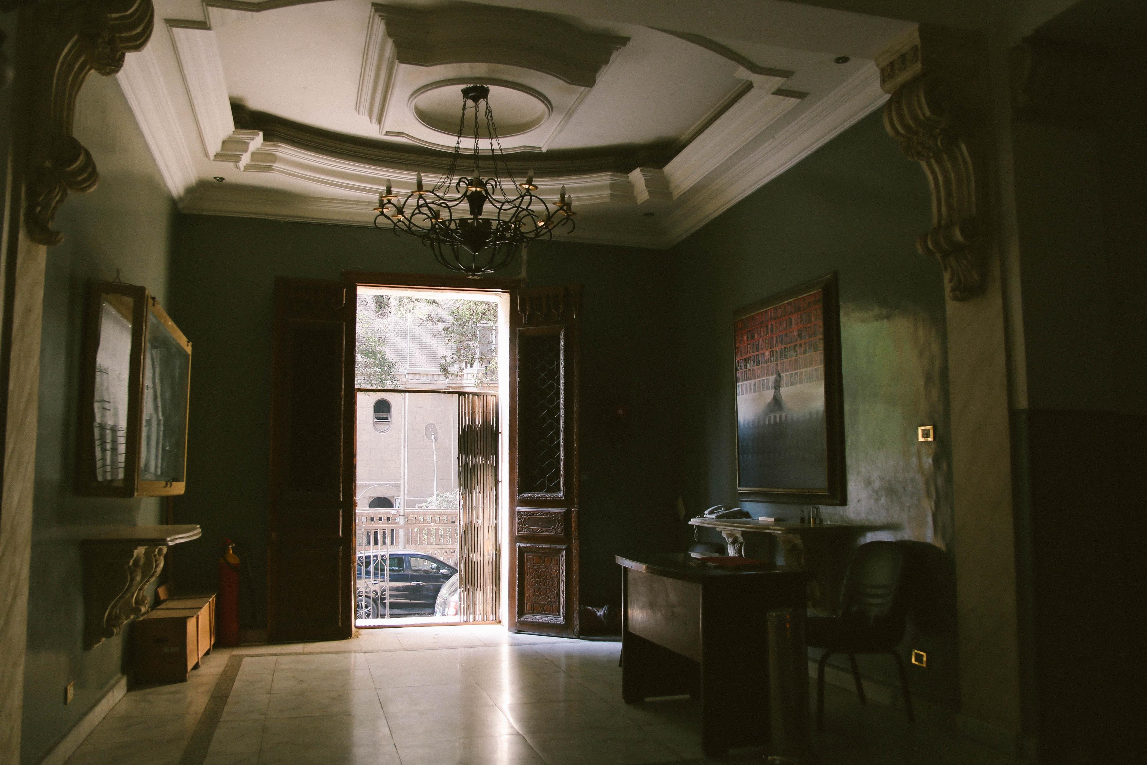 Déco D Entrée Maison images gratuites : architecture, plafond, chaise, lustre