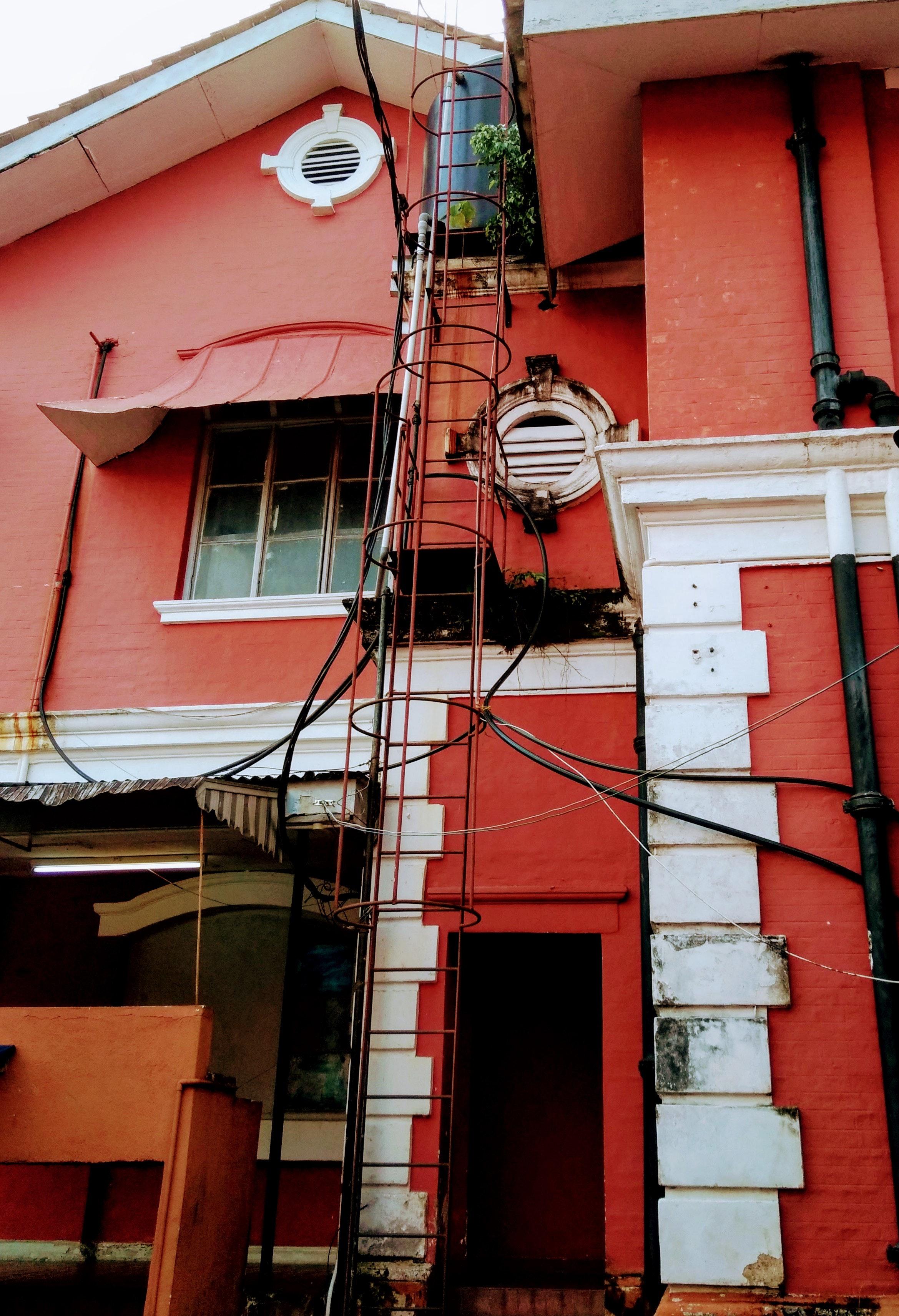 Couleur Exterieur Maison Contemporaine images gratuites : architecture, couleurs, lumière du jour