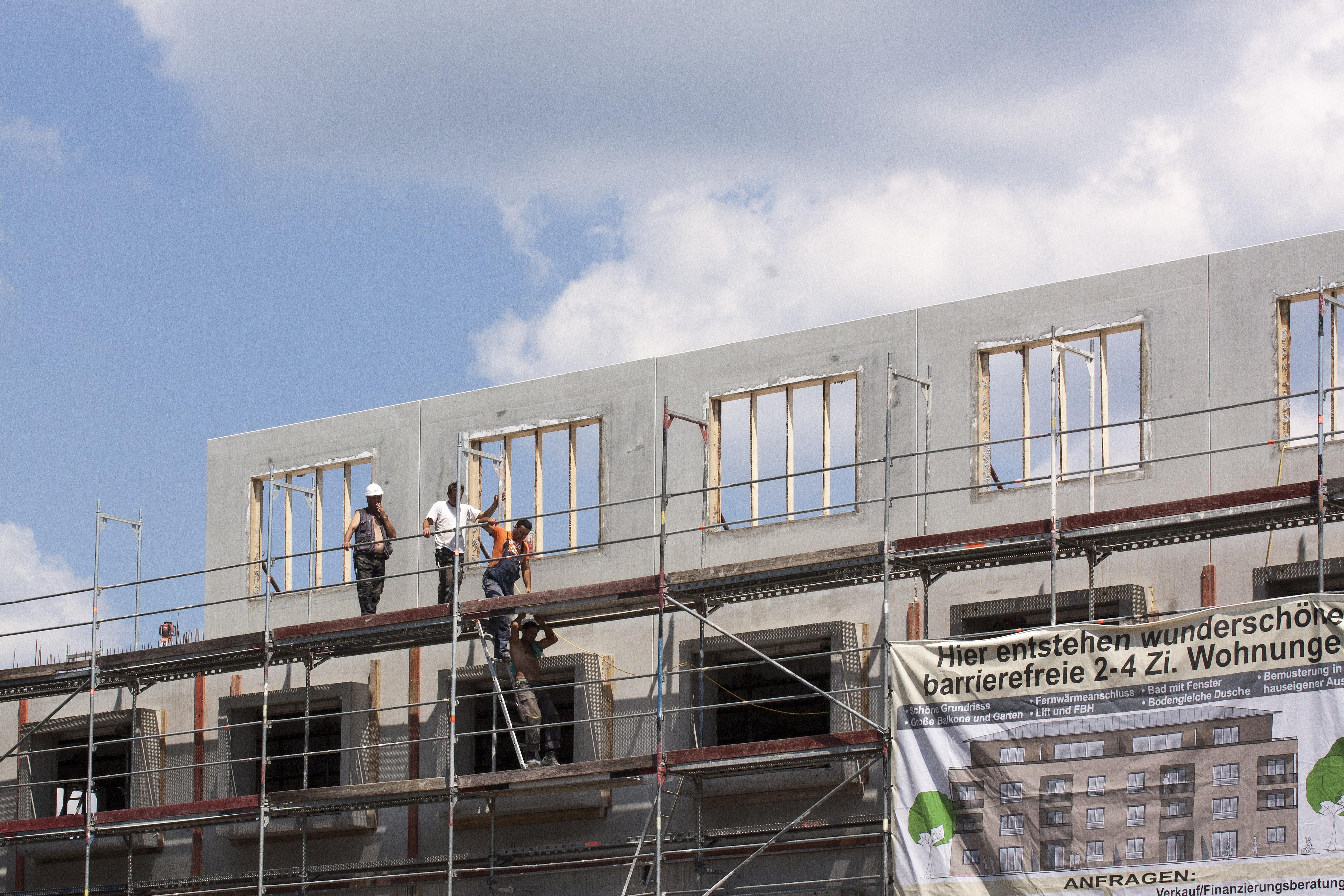 Architecture construction façade stade coquille construire site échafaud immobilier les travaux de construction ouvriers du bâtiment