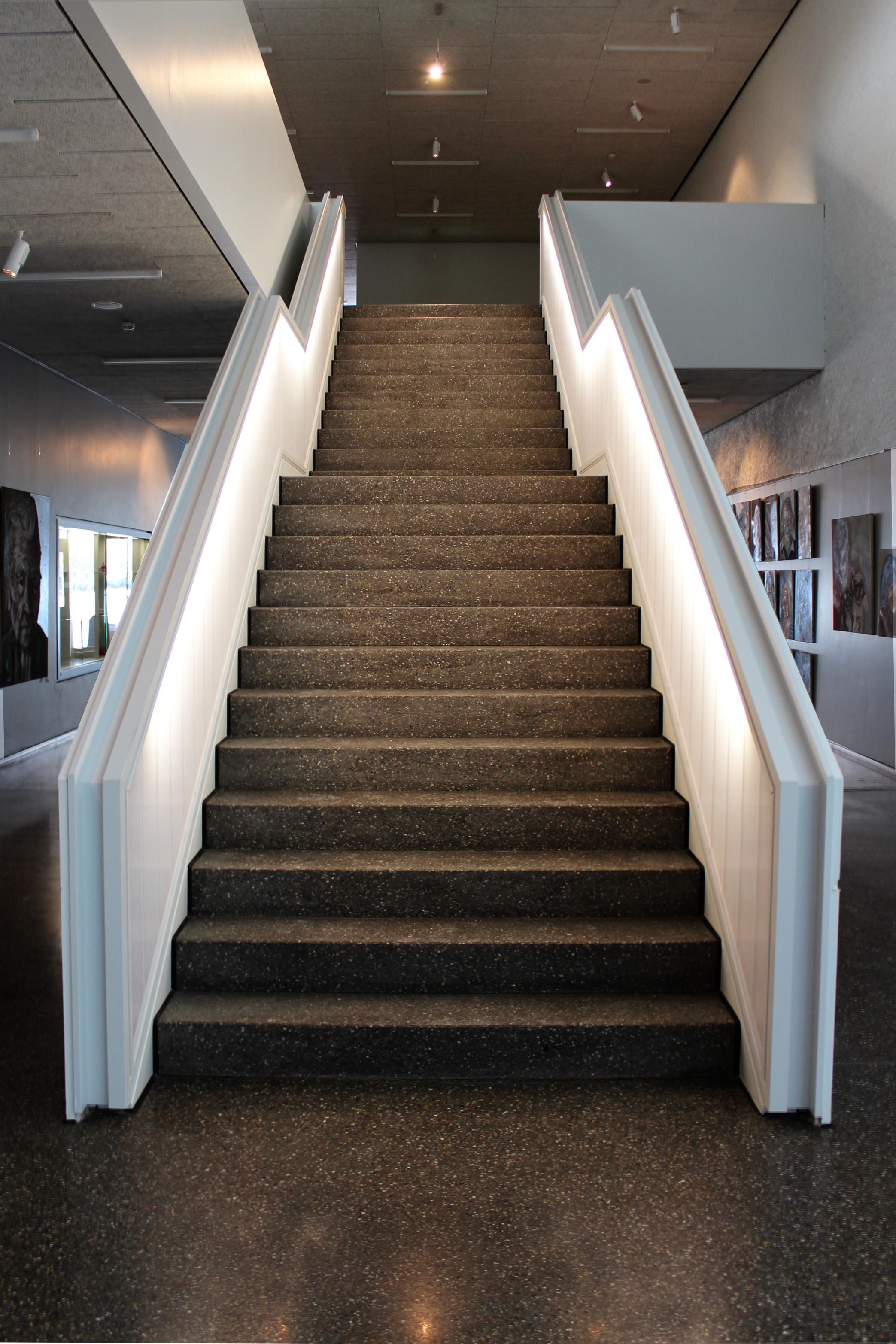 Fotos gratis arquitectura piso sala iluminaci n - Iluminacion escaleras interiores ...