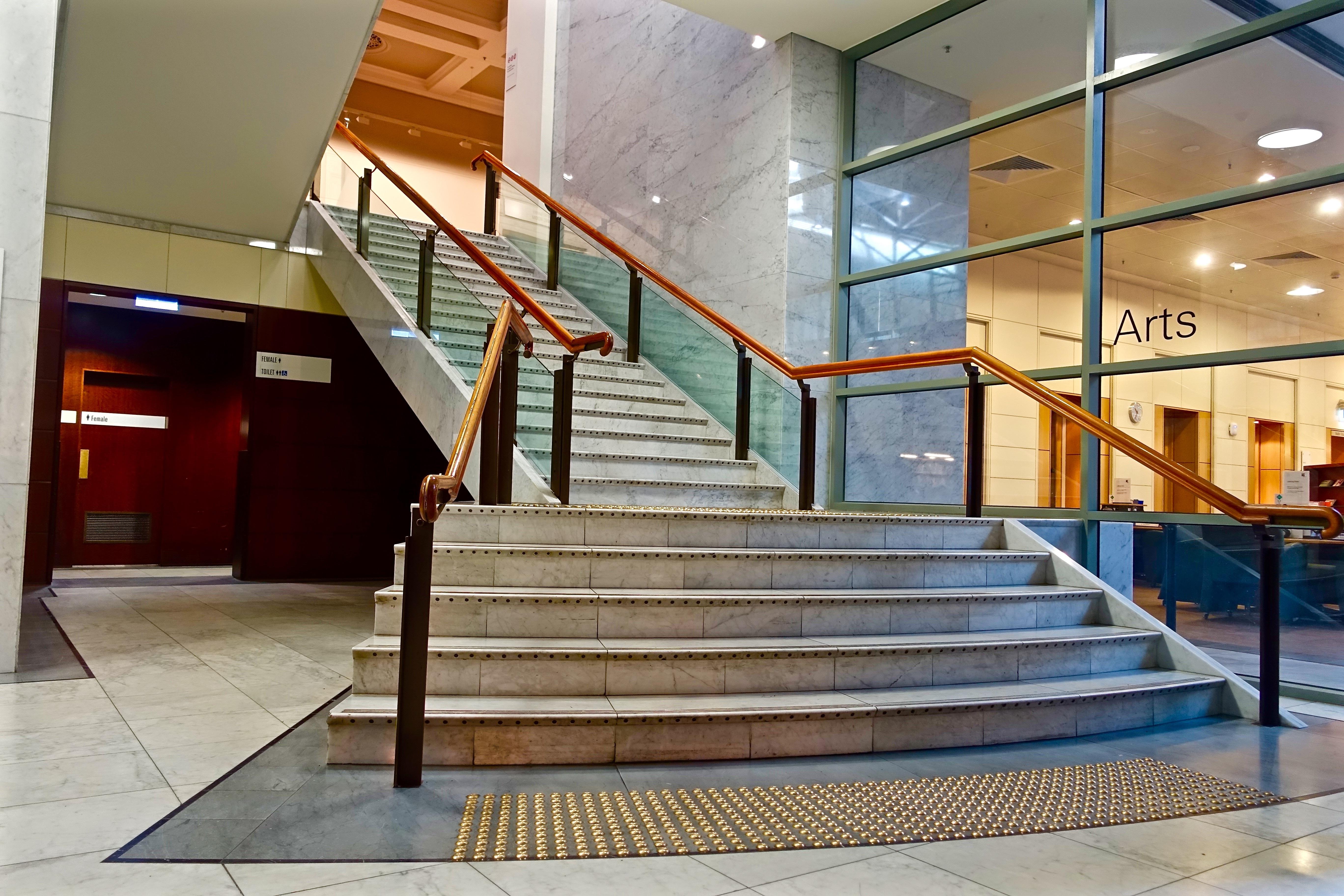 Gratis afbeeldingen architectuur verdieping trappenhuis
