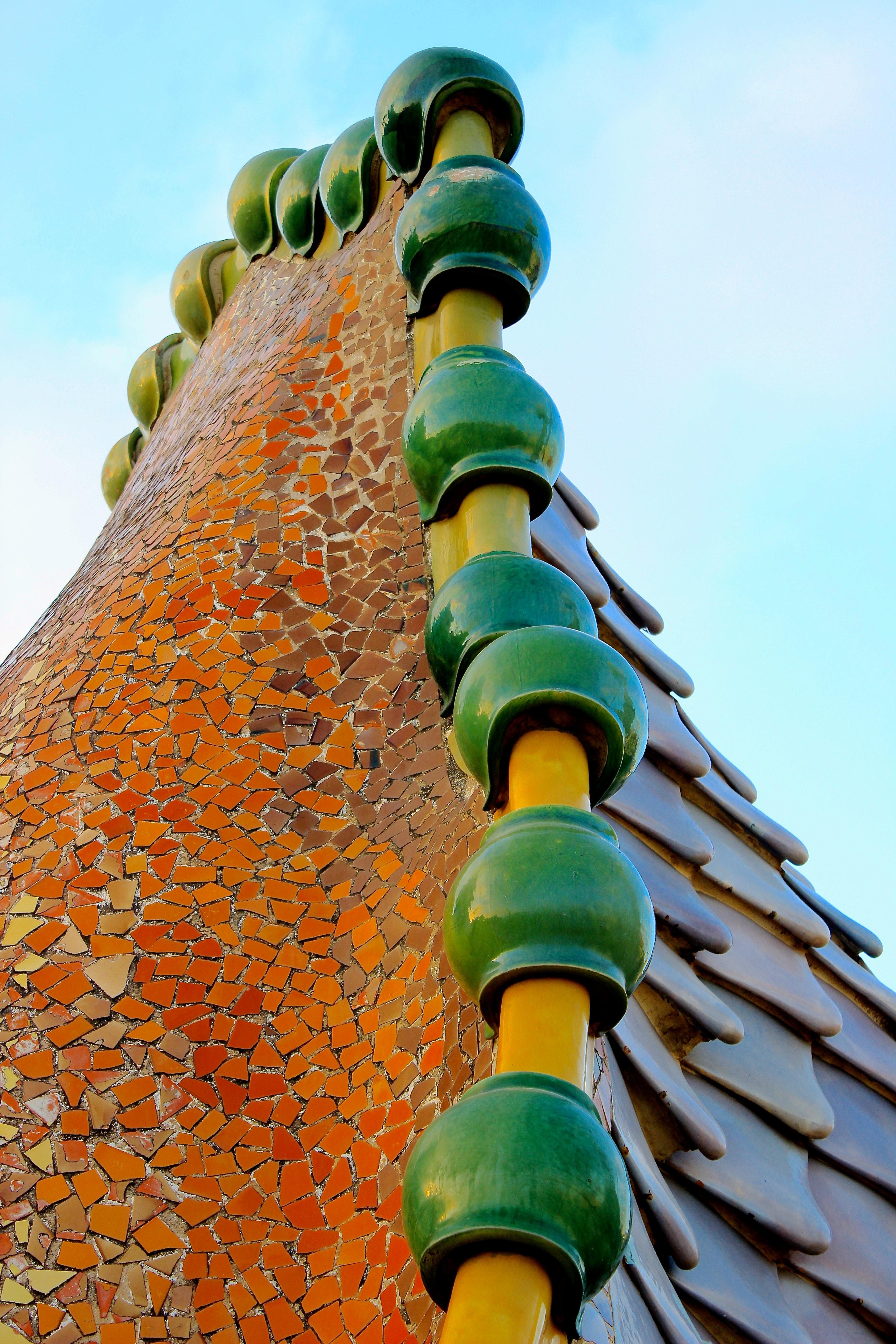 images gratuites architecture vert parc d 39 attractions couleur barcelone sculpture art. Black Bedroom Furniture Sets. Home Design Ideas
