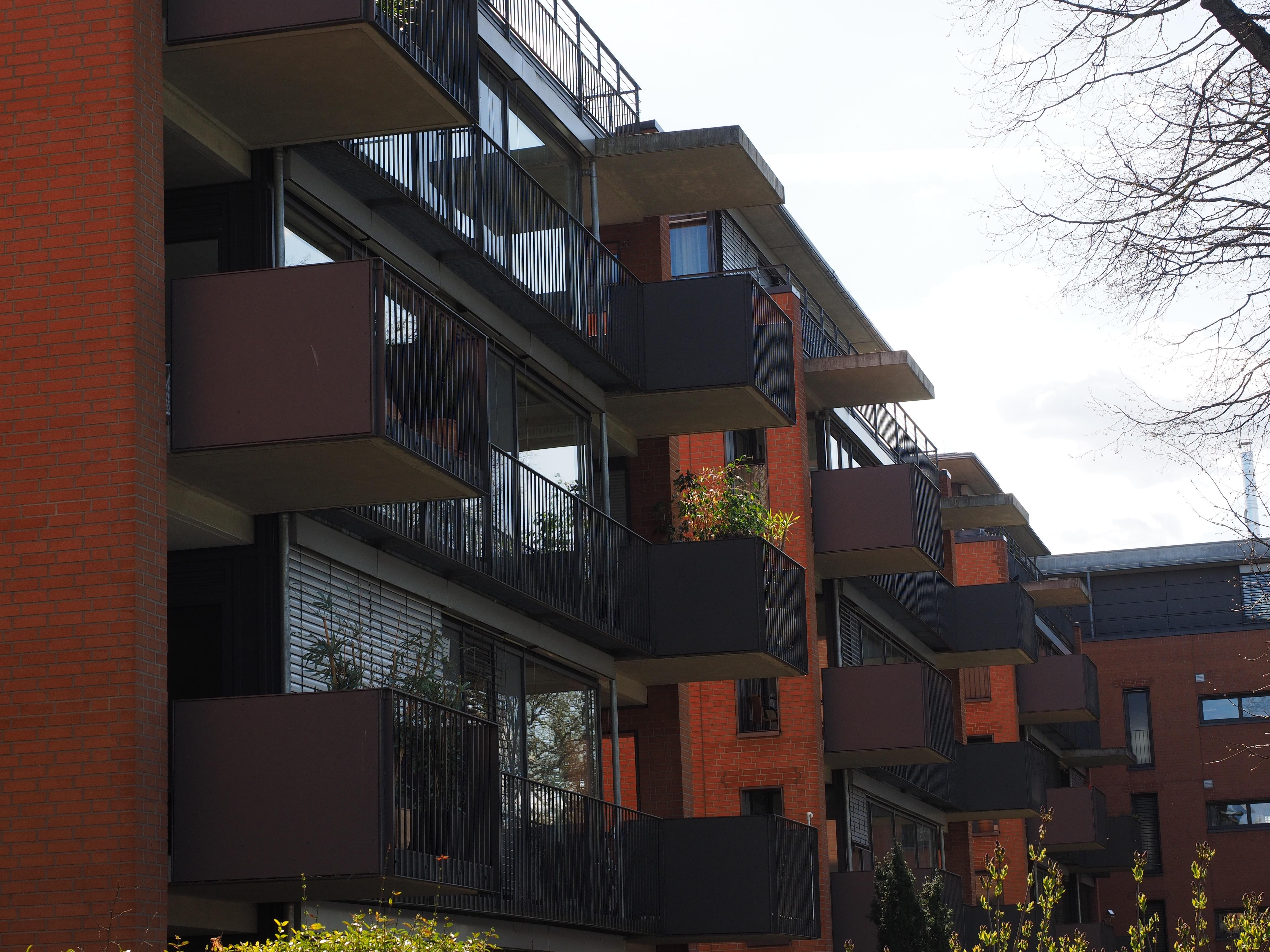 Images gratuites architecture maison b timent balcon for Balcon facade maison