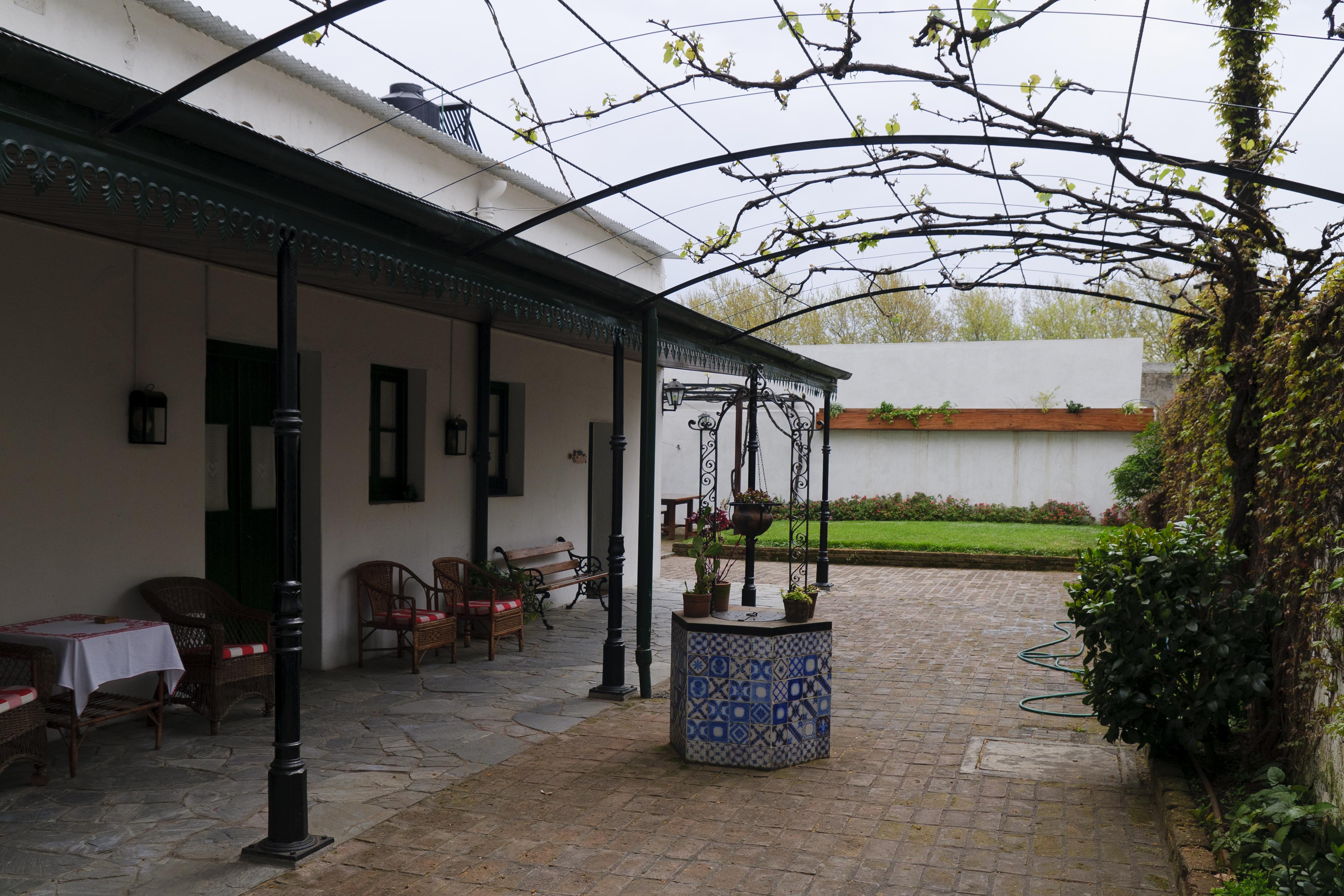 Fotos gratis arquitectura casa edificio caba a patio interior fachada propiedad nikon - Ley propiedad horizontal patio interior ...