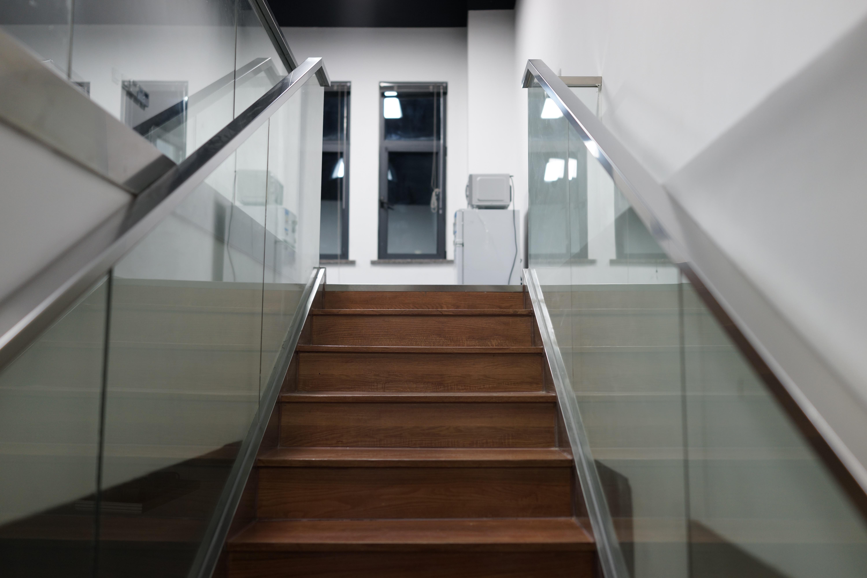 casa piso vaso edificio interior diseo de interiores pretil escalera ngulo piso iluminacin natural escaleras
