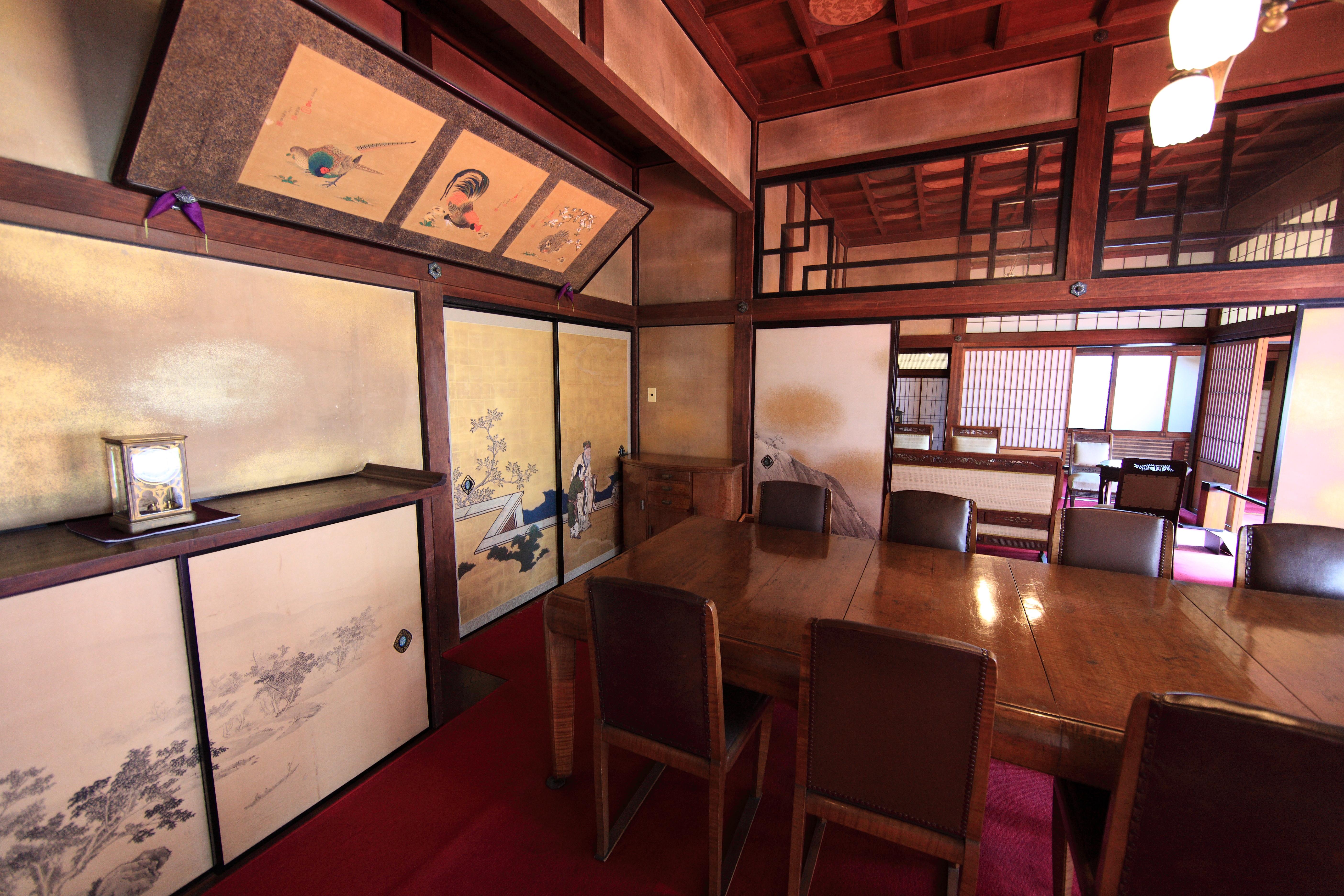 Gambar Arsitektur Rumah Pedalaman Restoran Tua Tinggi Kuno