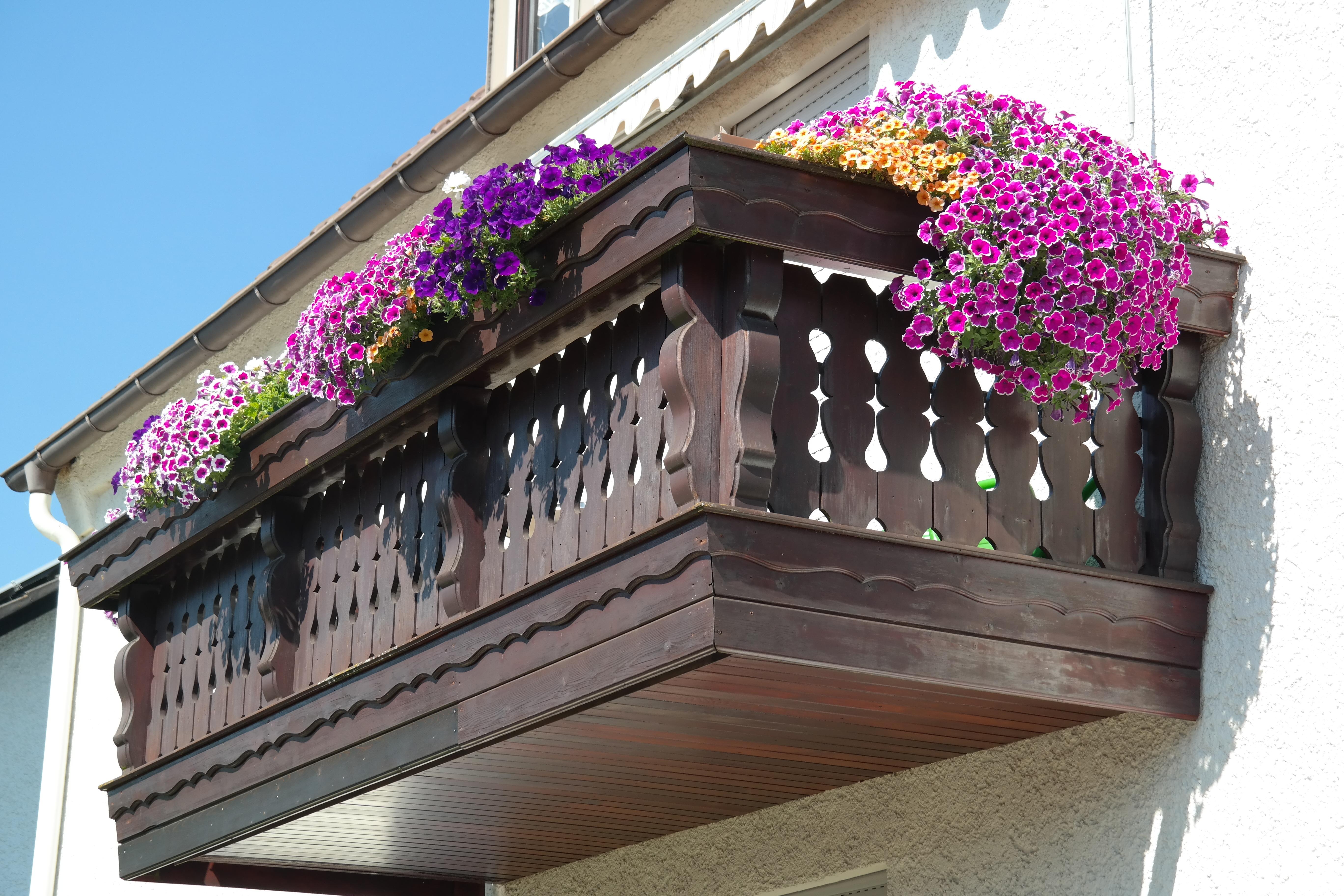 Картинки : архитектура, дом, крыша, балкон, фасад, украшен, .