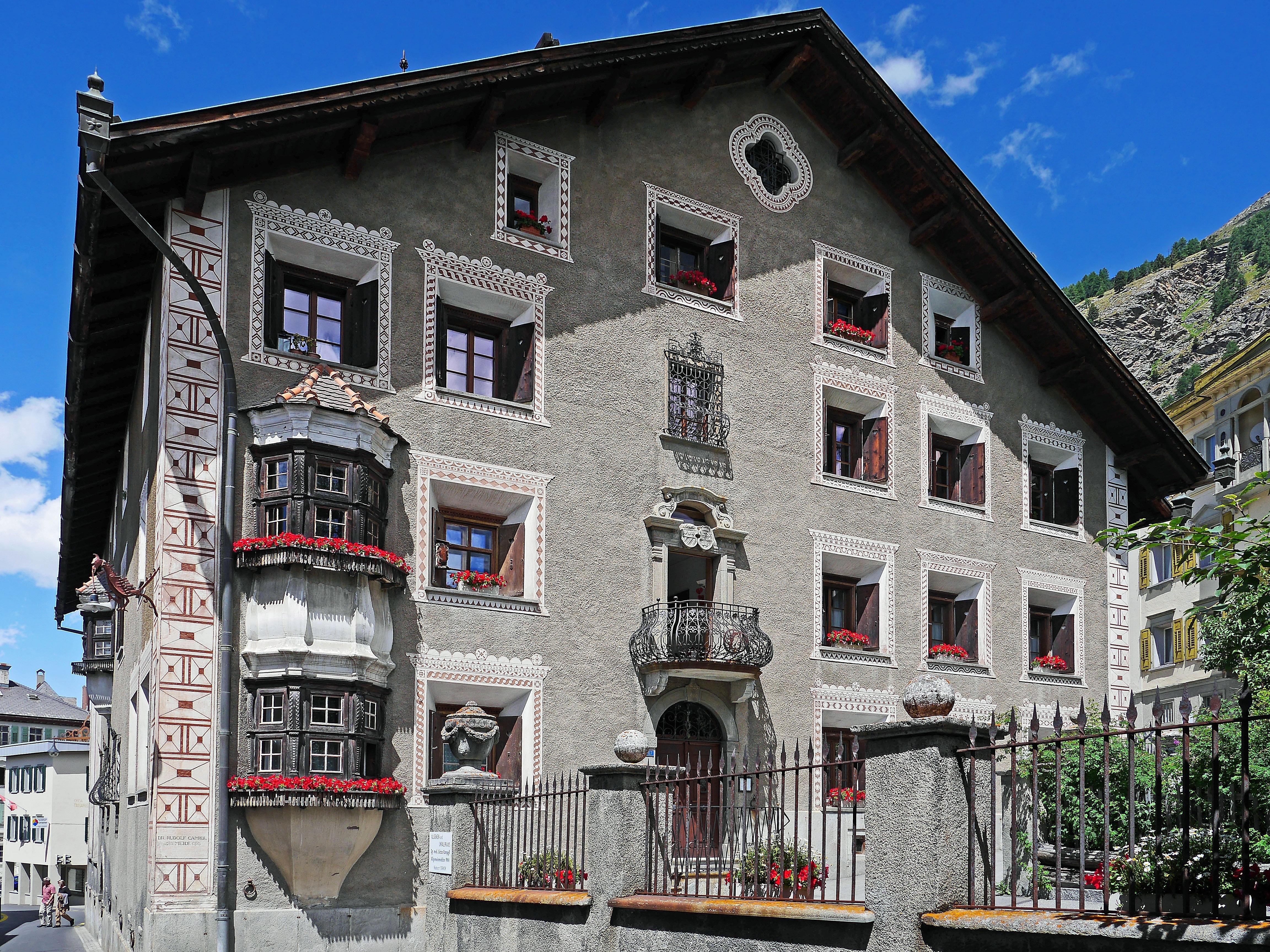 Images gratuites architecture maison ville b timent for Balcon facade maison