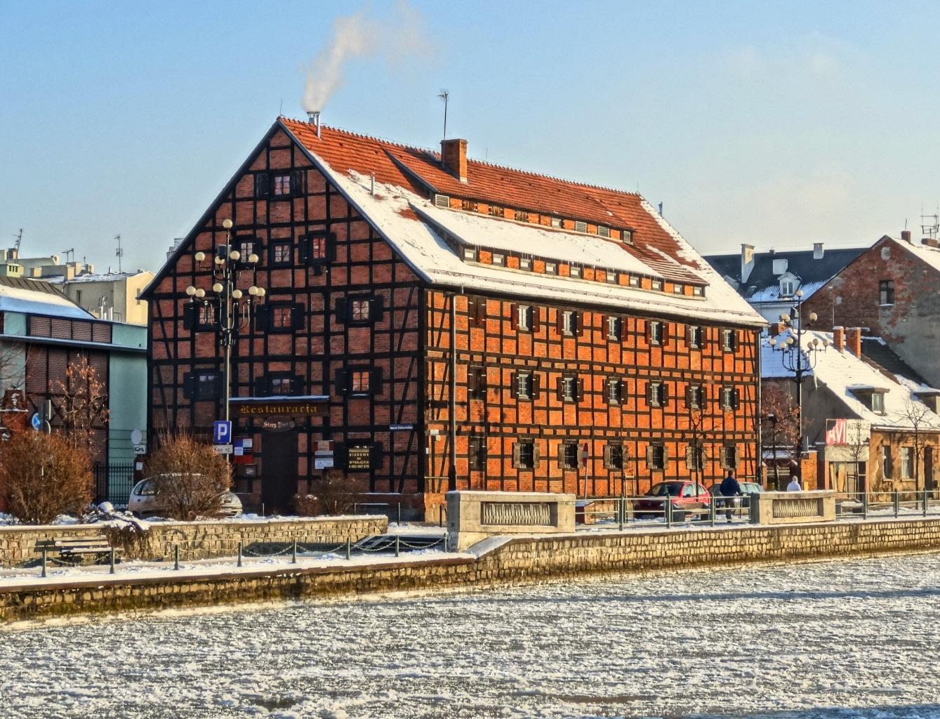 Fotos gratis : arquitectura, casa, pueblo, techo, edificio, fachada ...