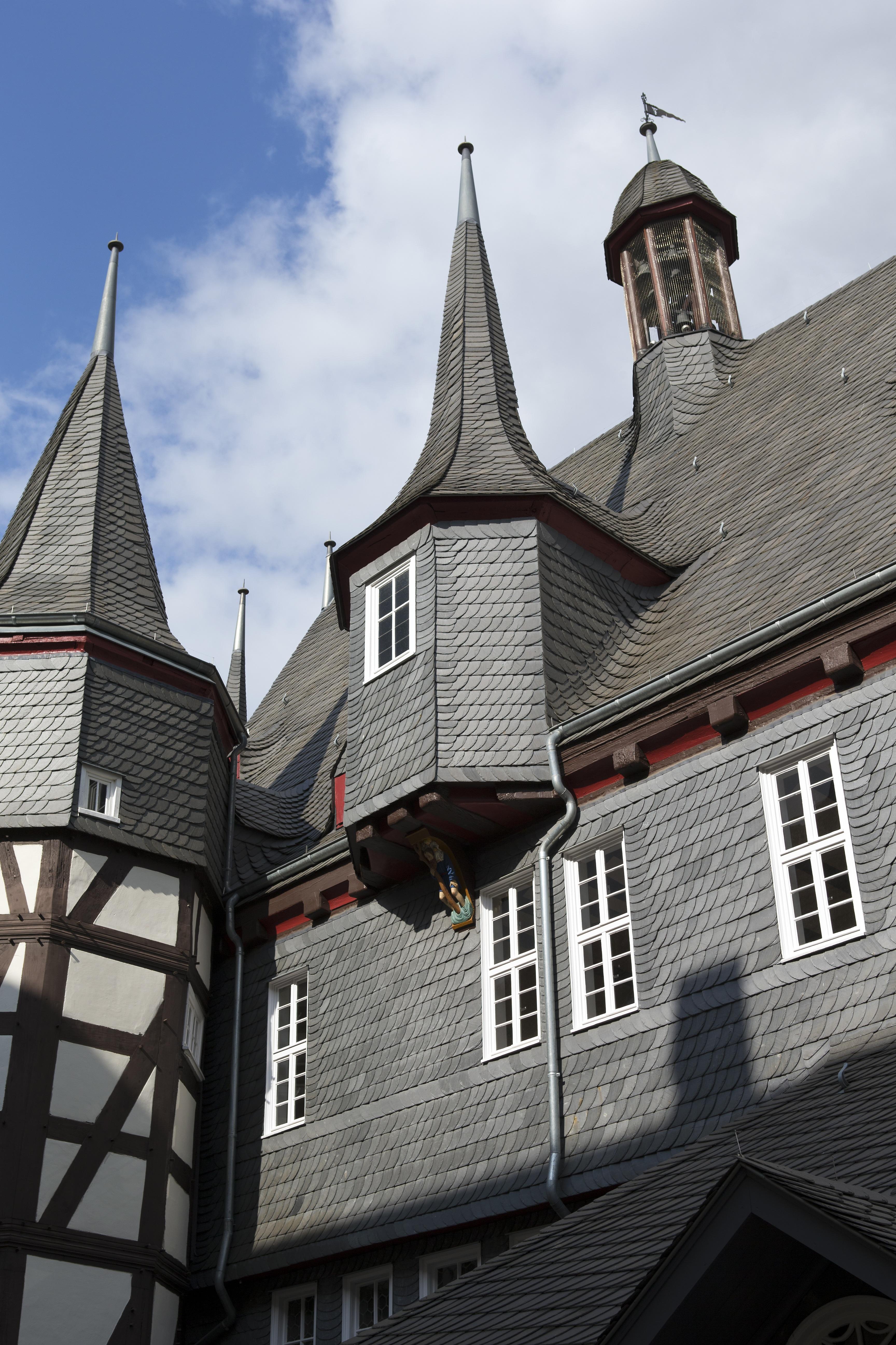 Fotos gratis : arquitectura, casa, pueblo, techo, edificio, torre ...