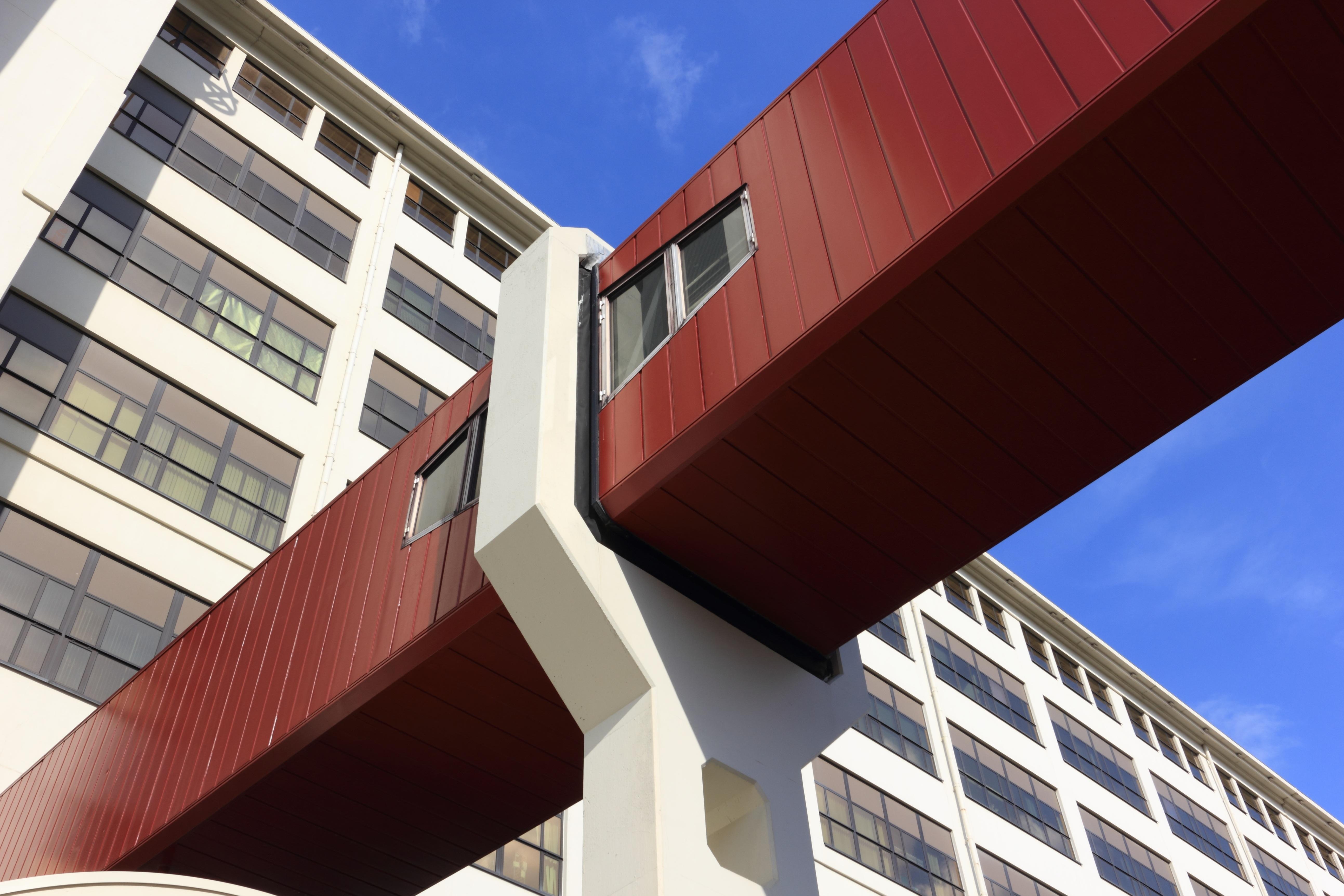 Images gratuites architecture maison passerelle for Lumiere exterieur facade