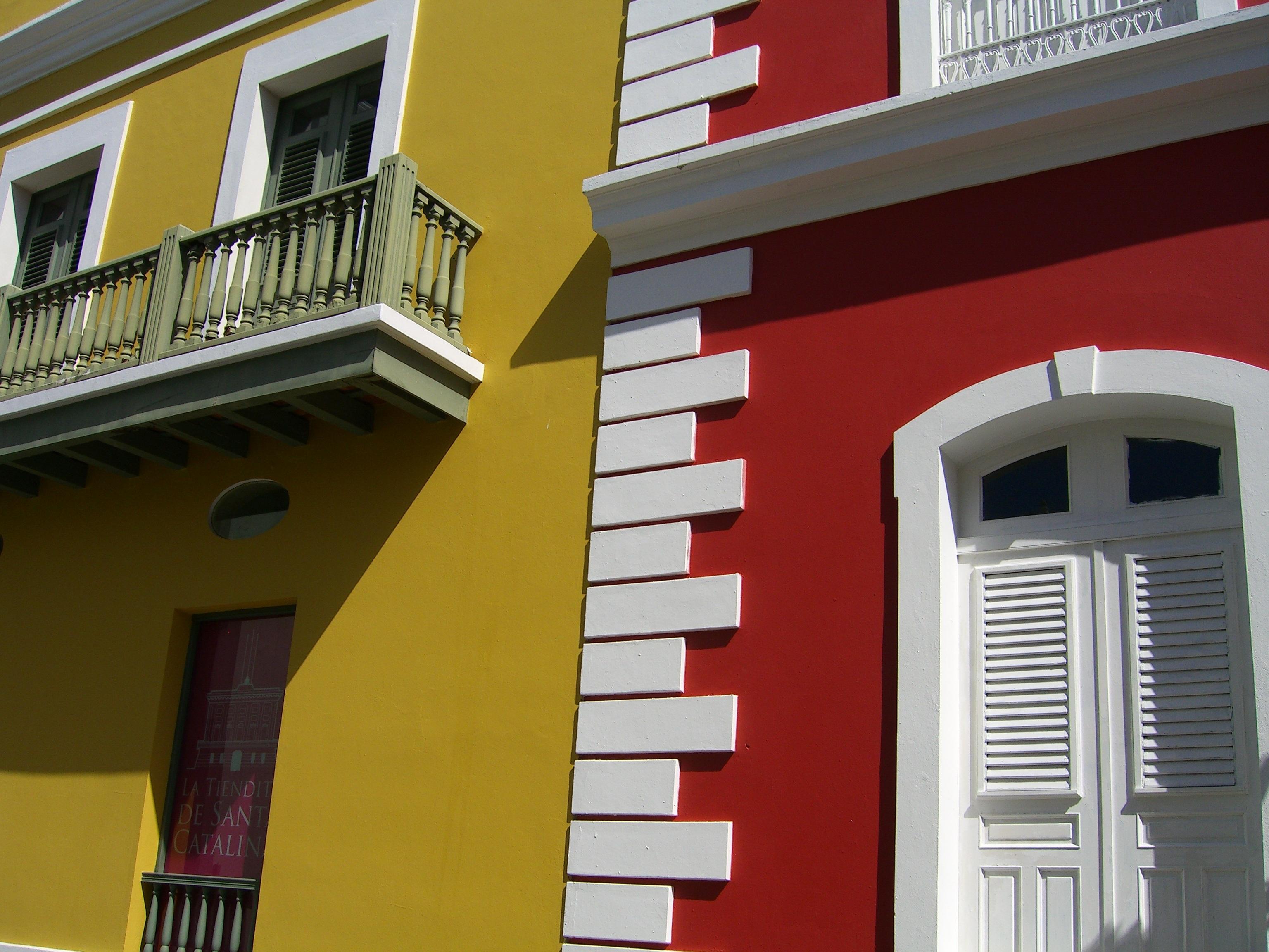 casa ventana edificio antiguo casa pared rojo color fachada diseo de interiores edificios ventanas puertas