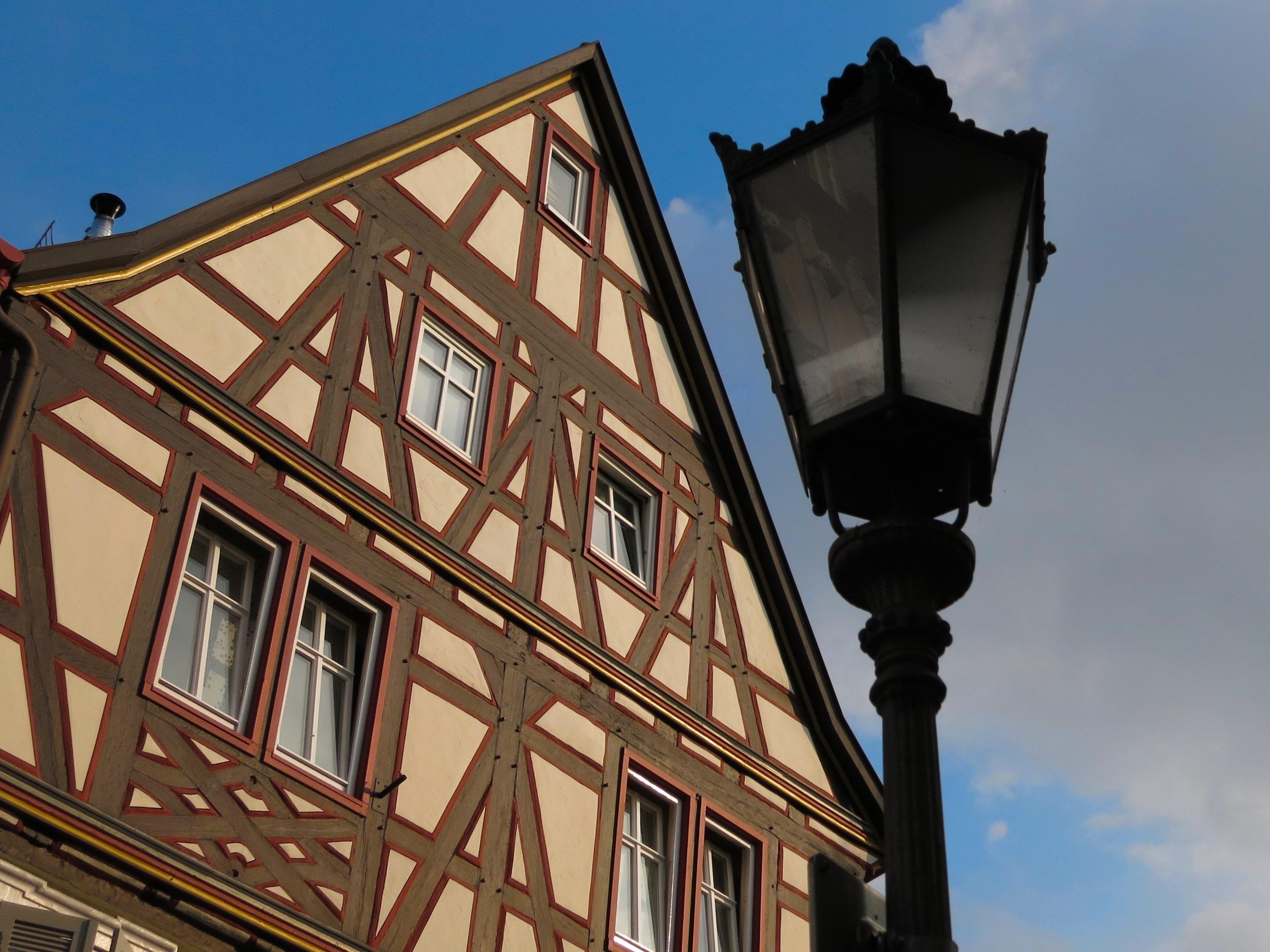 Gratis Afbeeldingen : architectuur, huis, venster, lantaarn ...