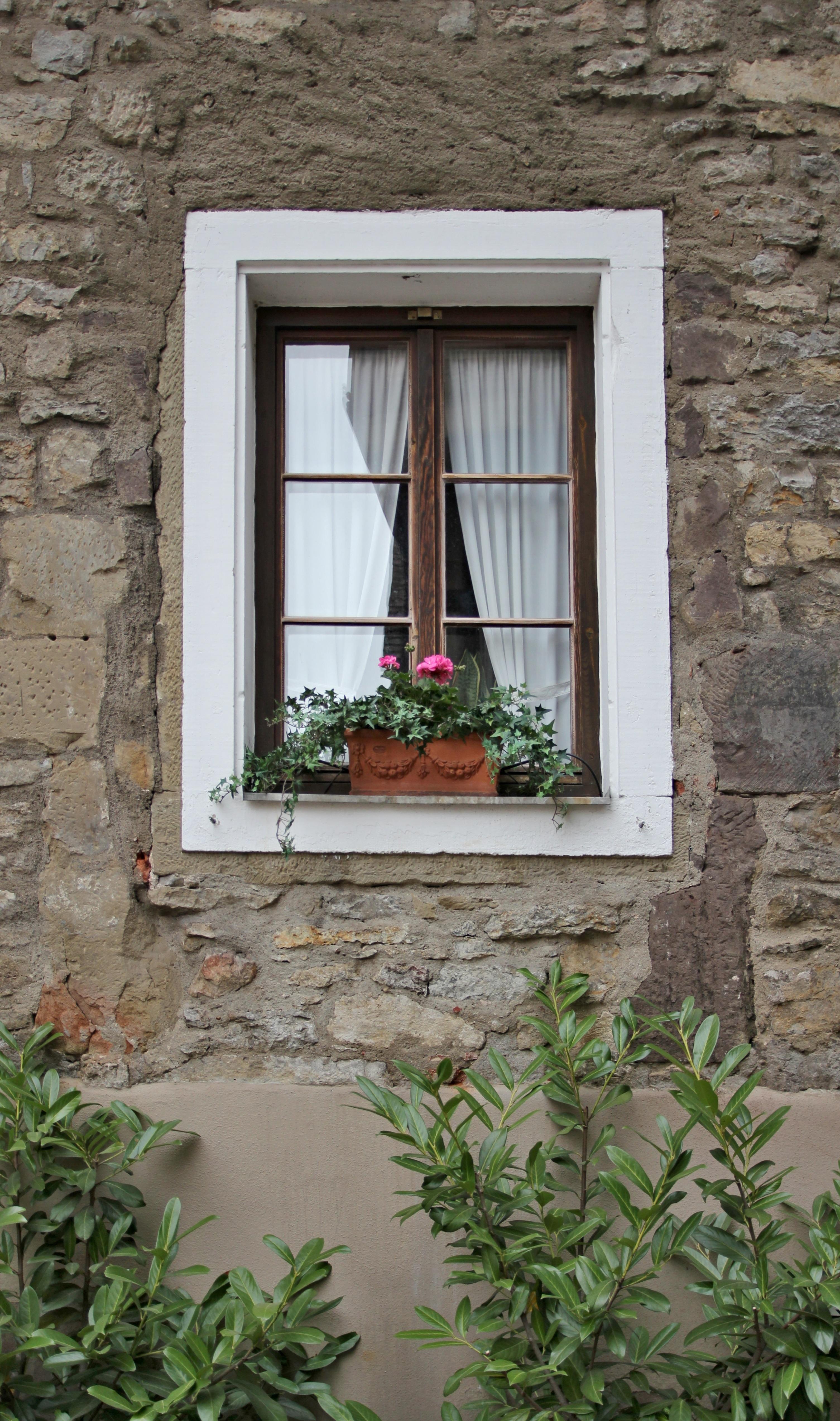 Fotos gratis arquitectura casa ventana antiguo pared piedra porche caba a patio - Ley propiedad horizontal patio interior ...