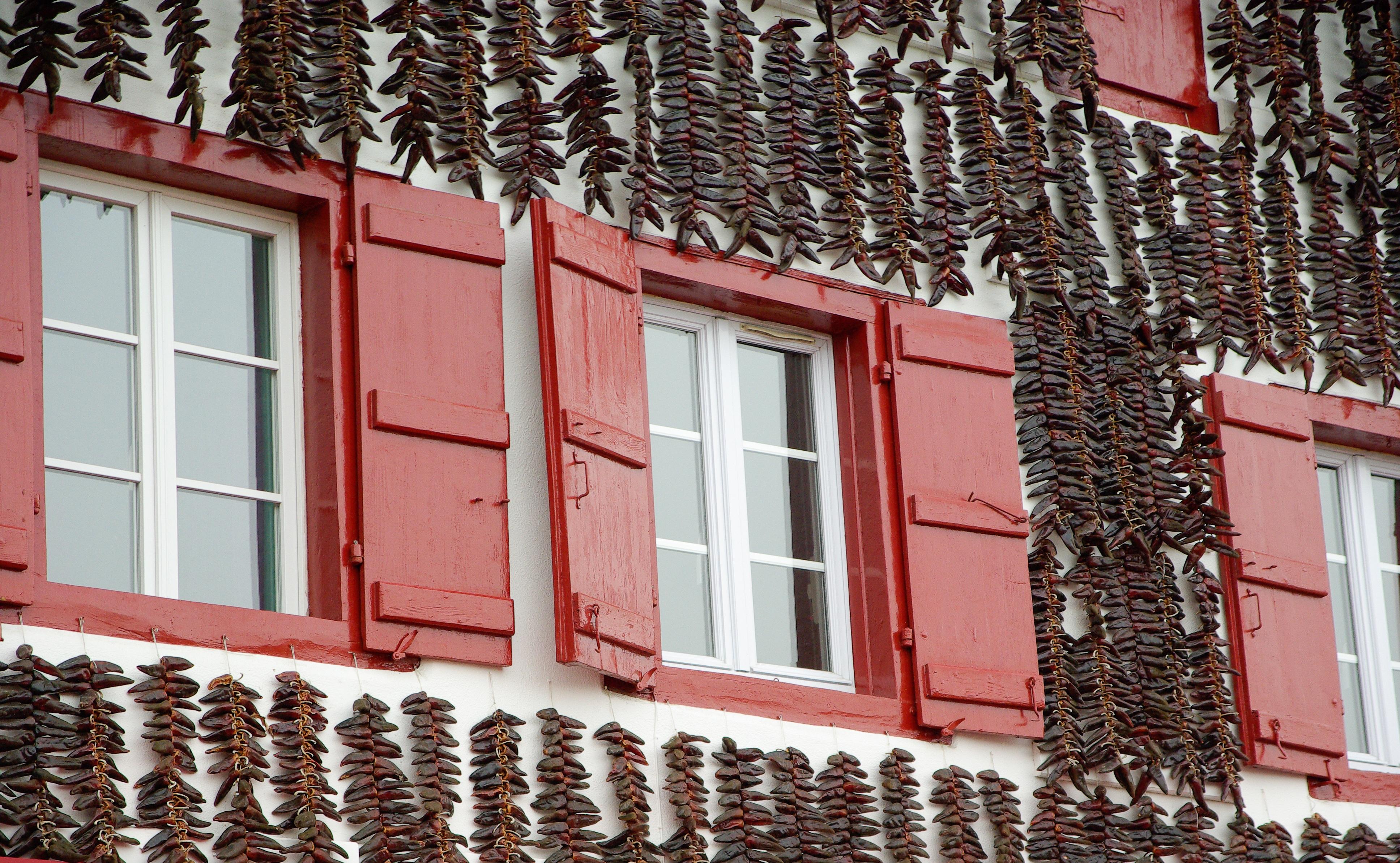 Images gratuites architecture maison mur balcon - Mur brique rouge interieur ...