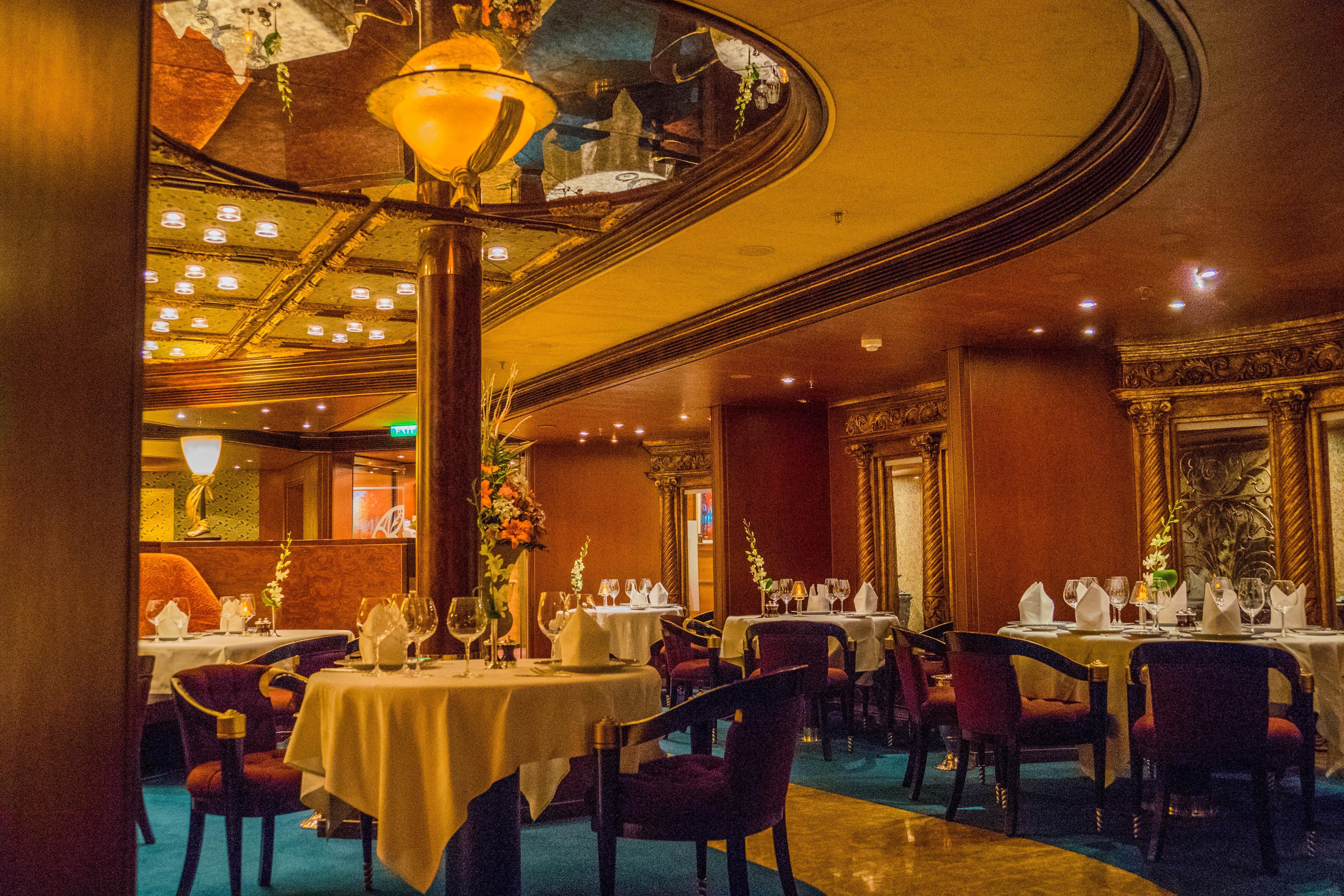 Fotos gratis : arquitectura, interior, restaurante, palacio, comida ...