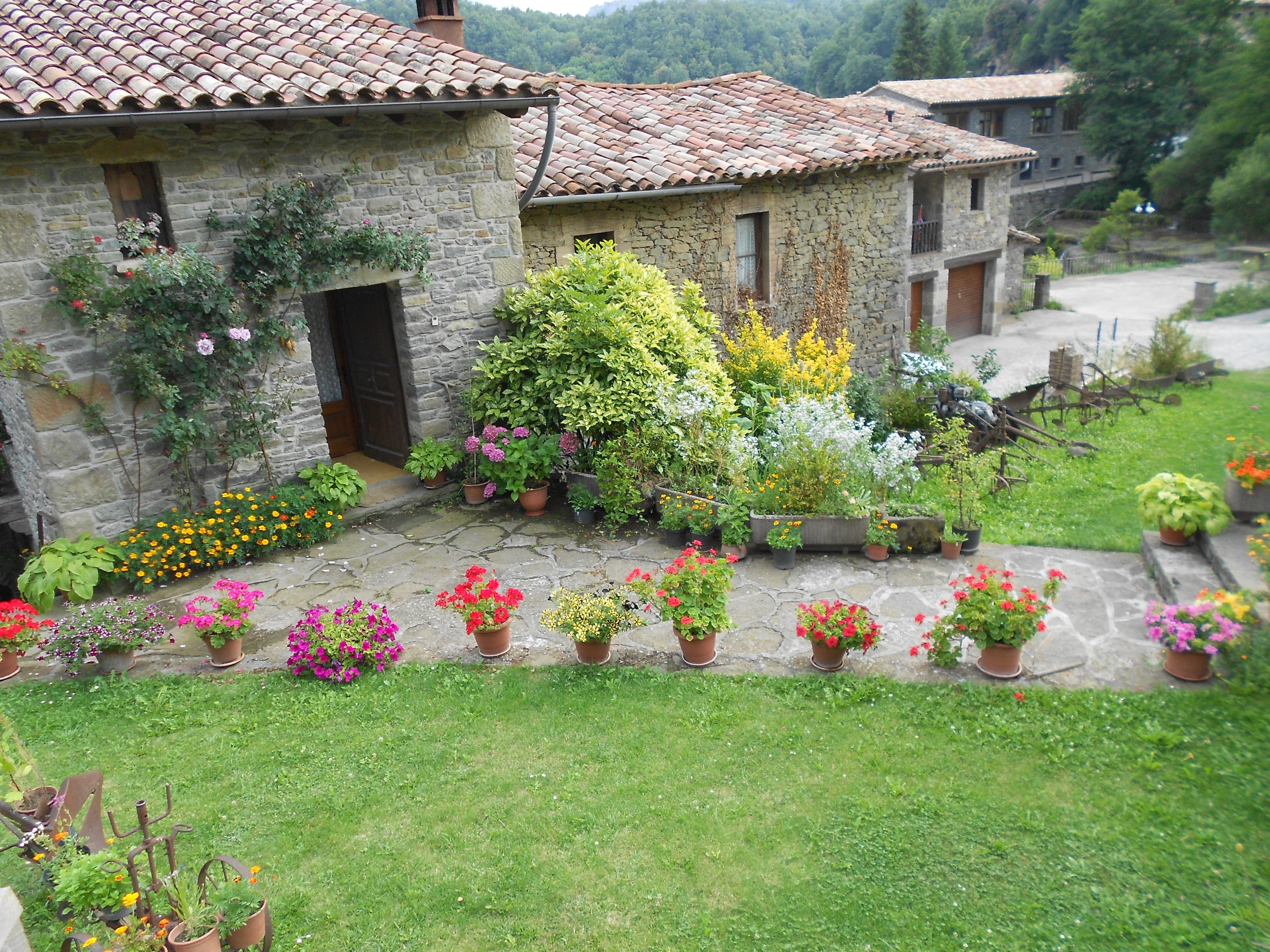 Images Gratuites : architecture, pelouse, fleur, bâtiment, verger ...