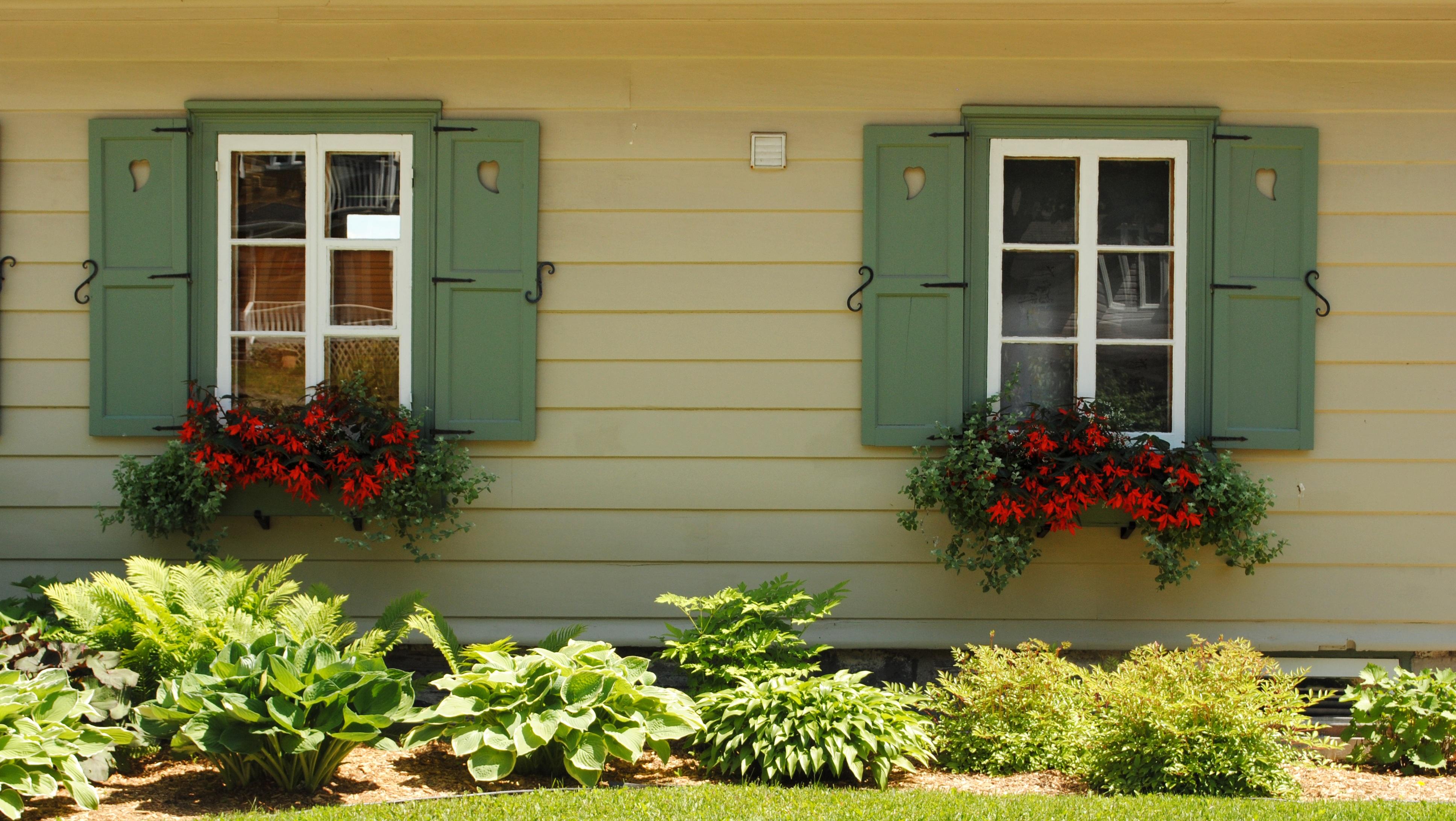 Kostenlose foto : die Architektur, Rasen, Haus, Blume, Fenster ...