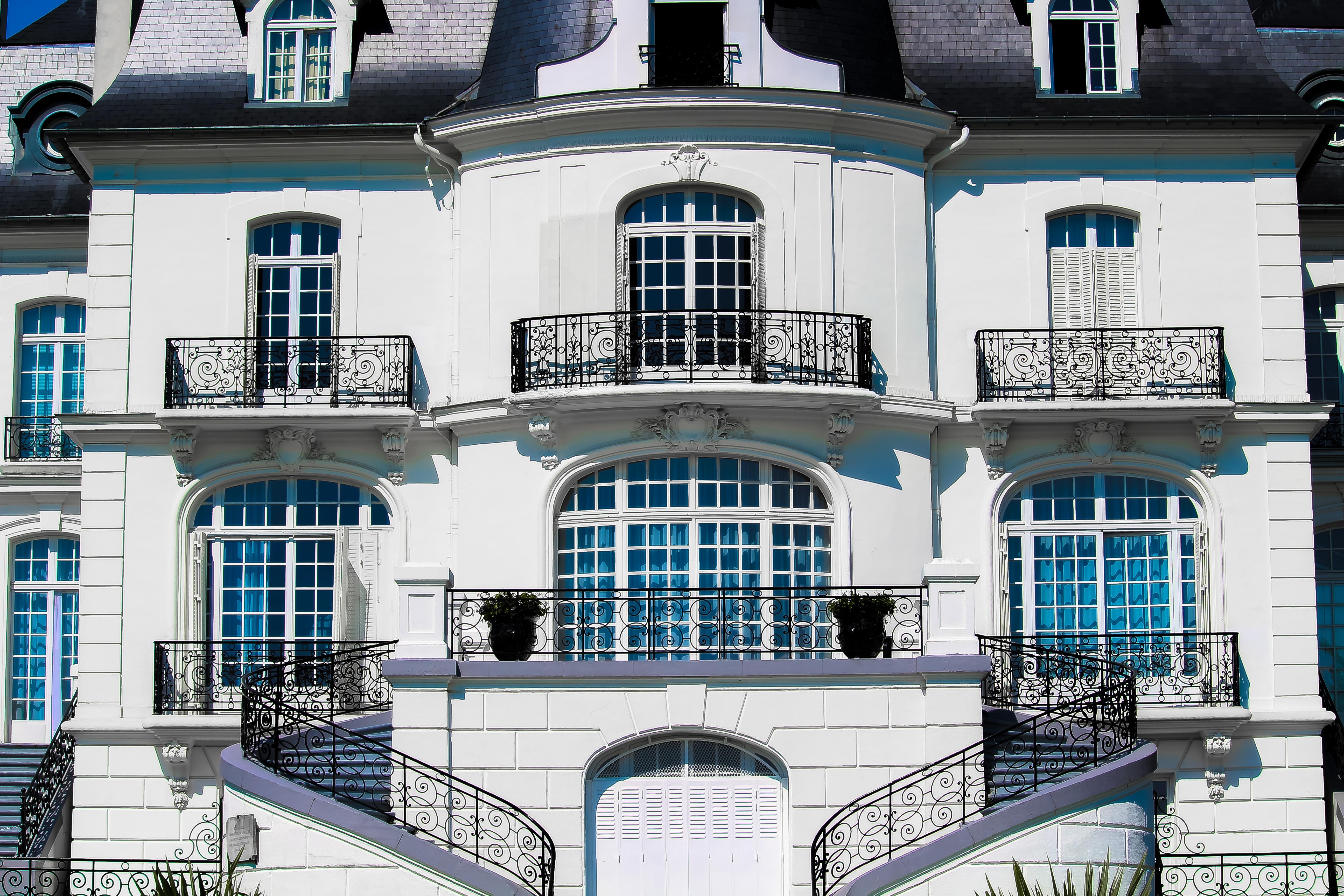 Images gratuites architecture manoir maison ville for Balcon facade maison