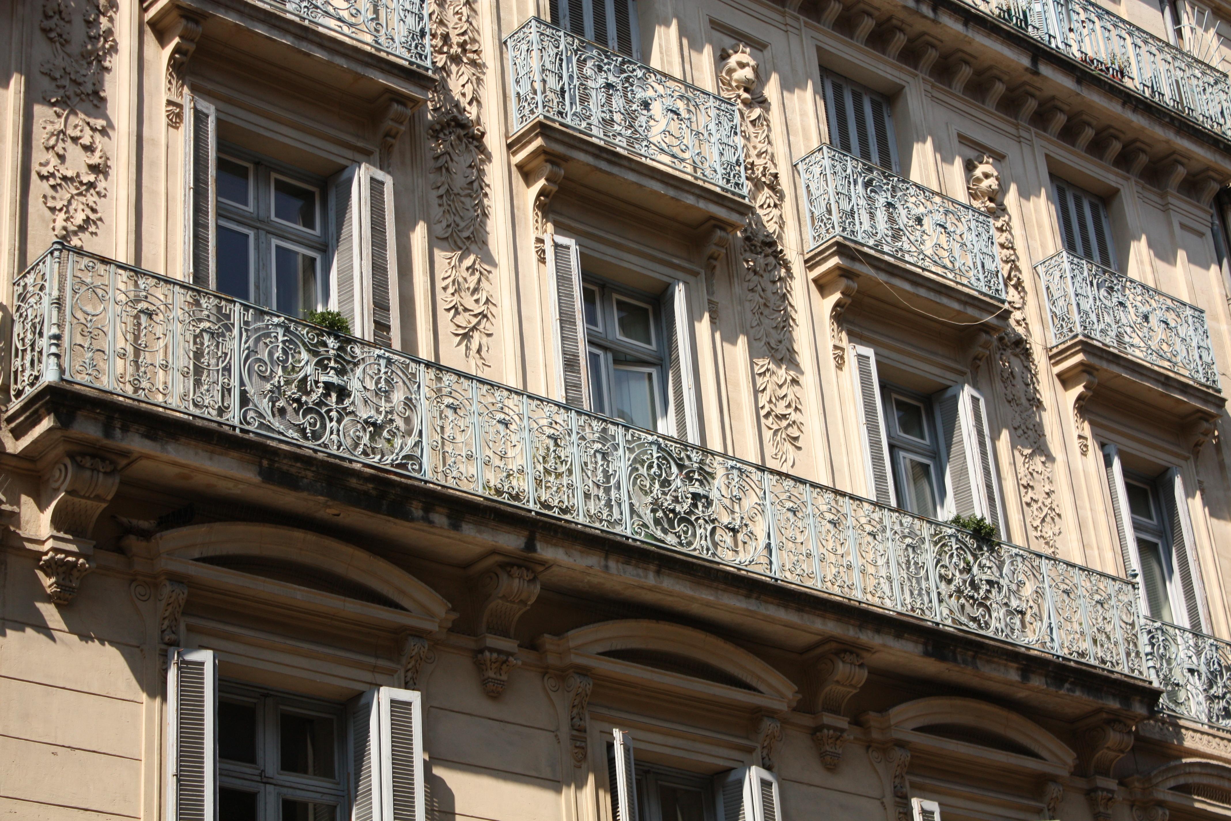 images gratuites architecture manoir maison fen tre palais centre ville balcon point de. Black Bedroom Furniture Sets. Home Design Ideas